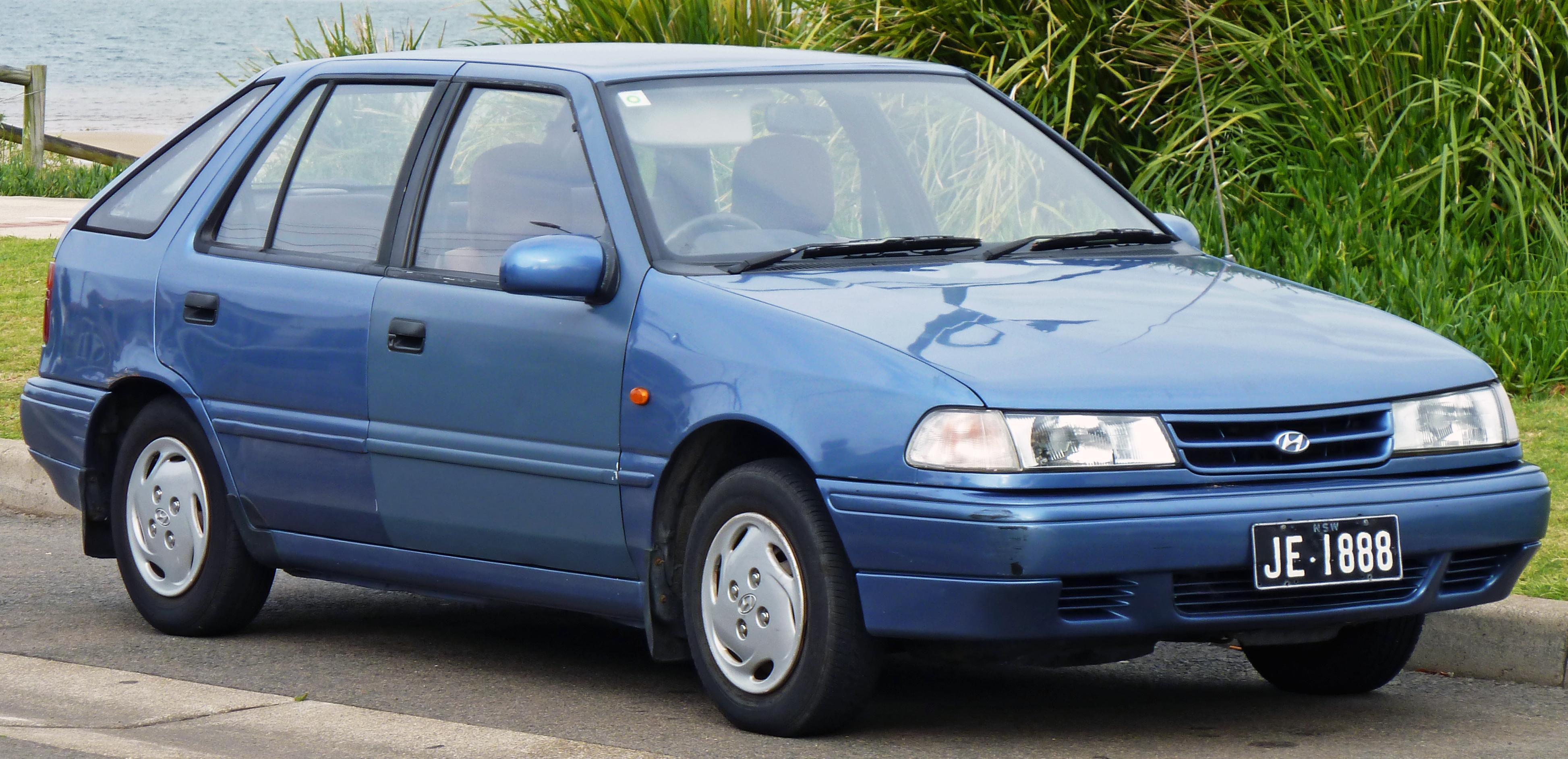 file 1991 1994 hyundai excel x2 ls 5 door hatchback 03 jpg rh commons wikimedia org 2016 Hyundai Accent 2008 Hyundai Accent