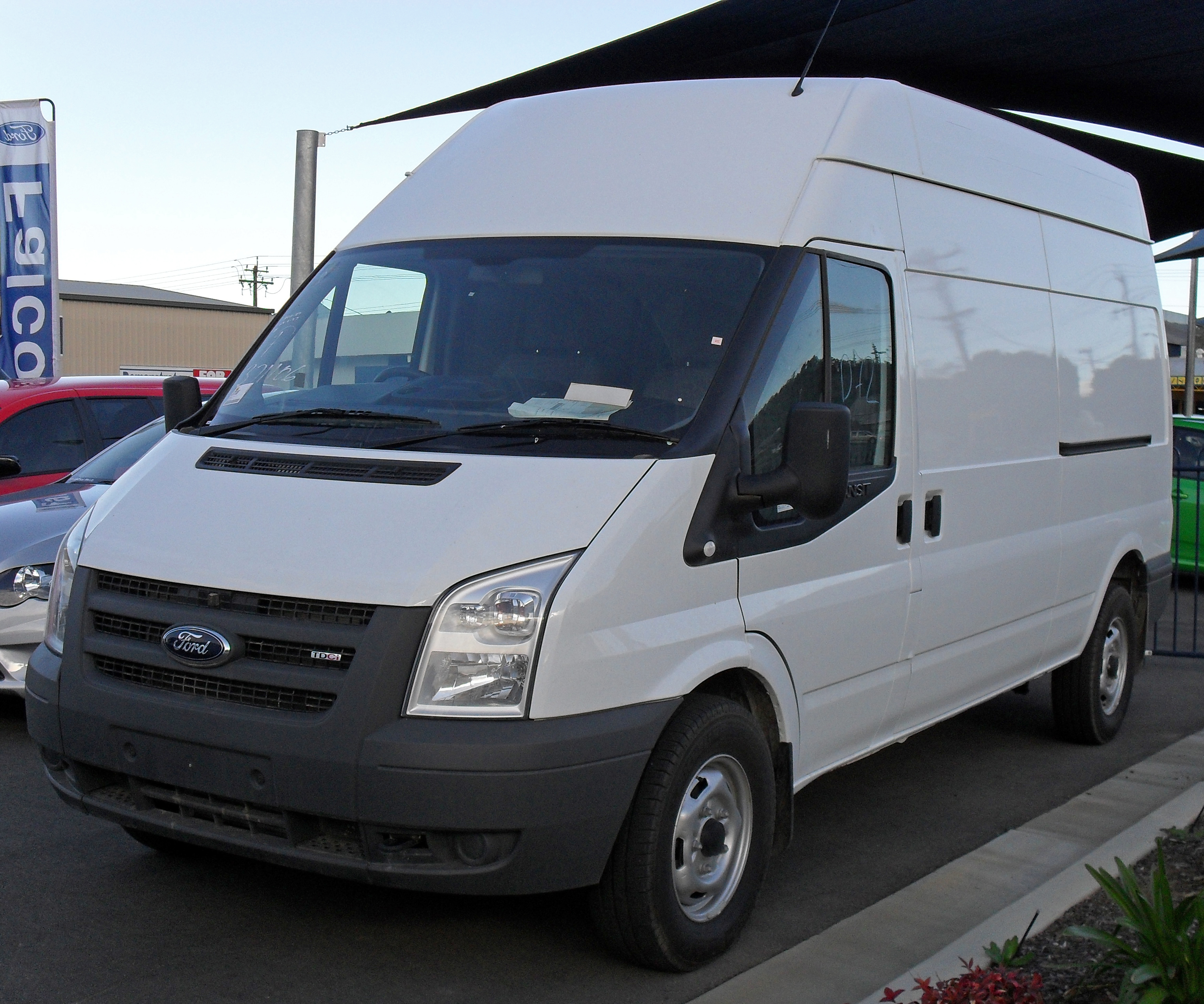Description 2007 - 09 Ford Transit 350 LWB Jumbo Van.jpg