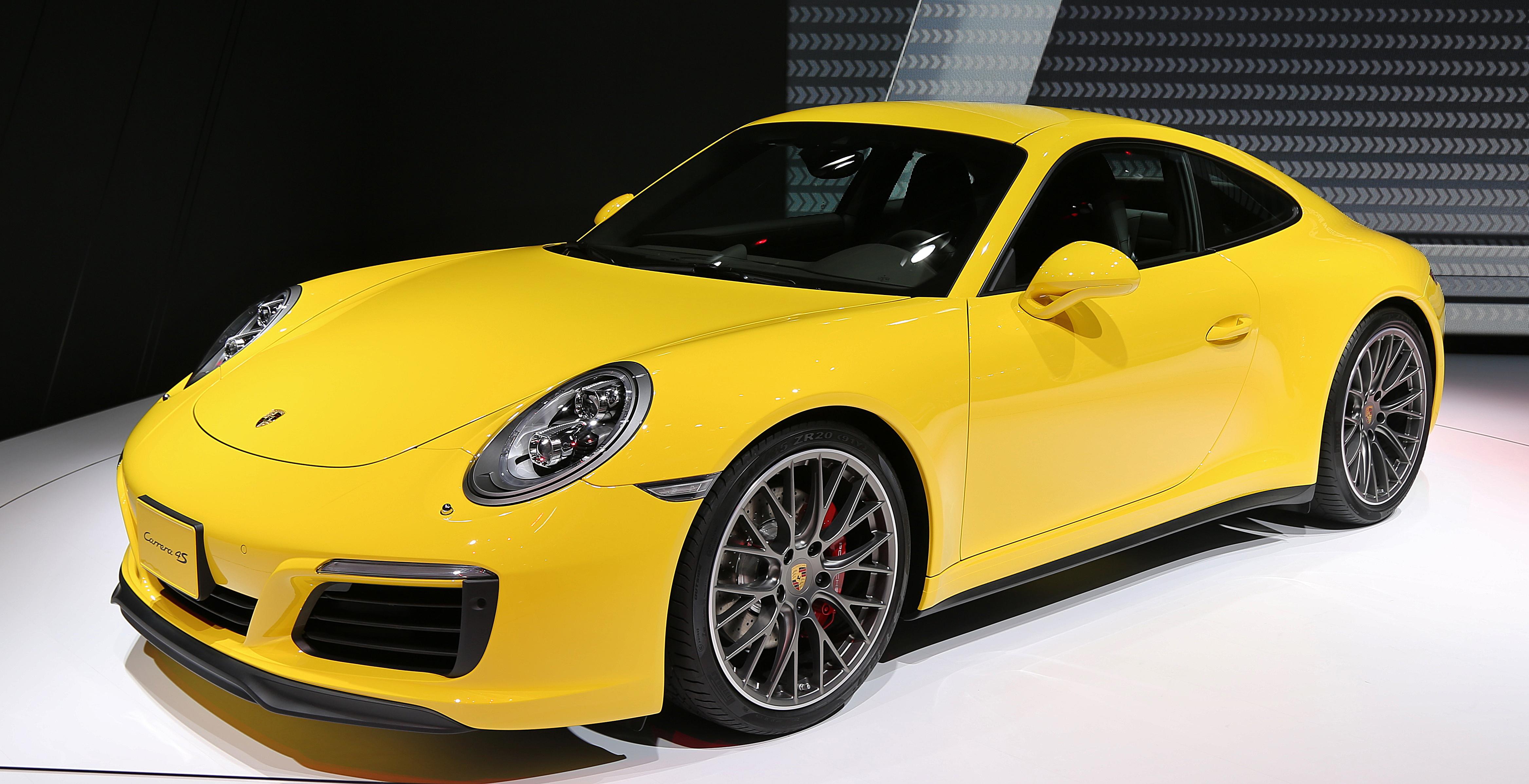 2015 Porsche 911 Carrera 4S Coupe.jpg