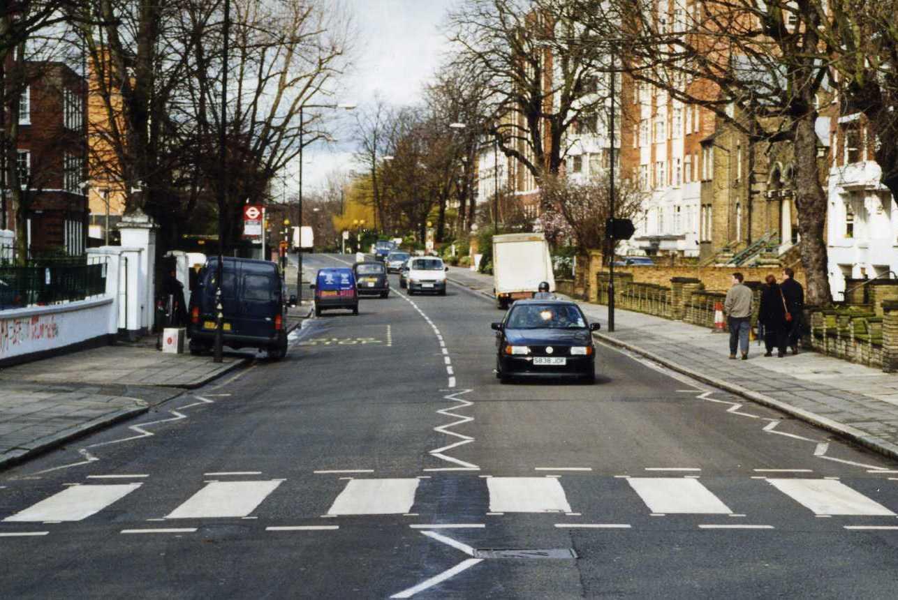 пешеходный переход красный свет  № 1504882  скачать