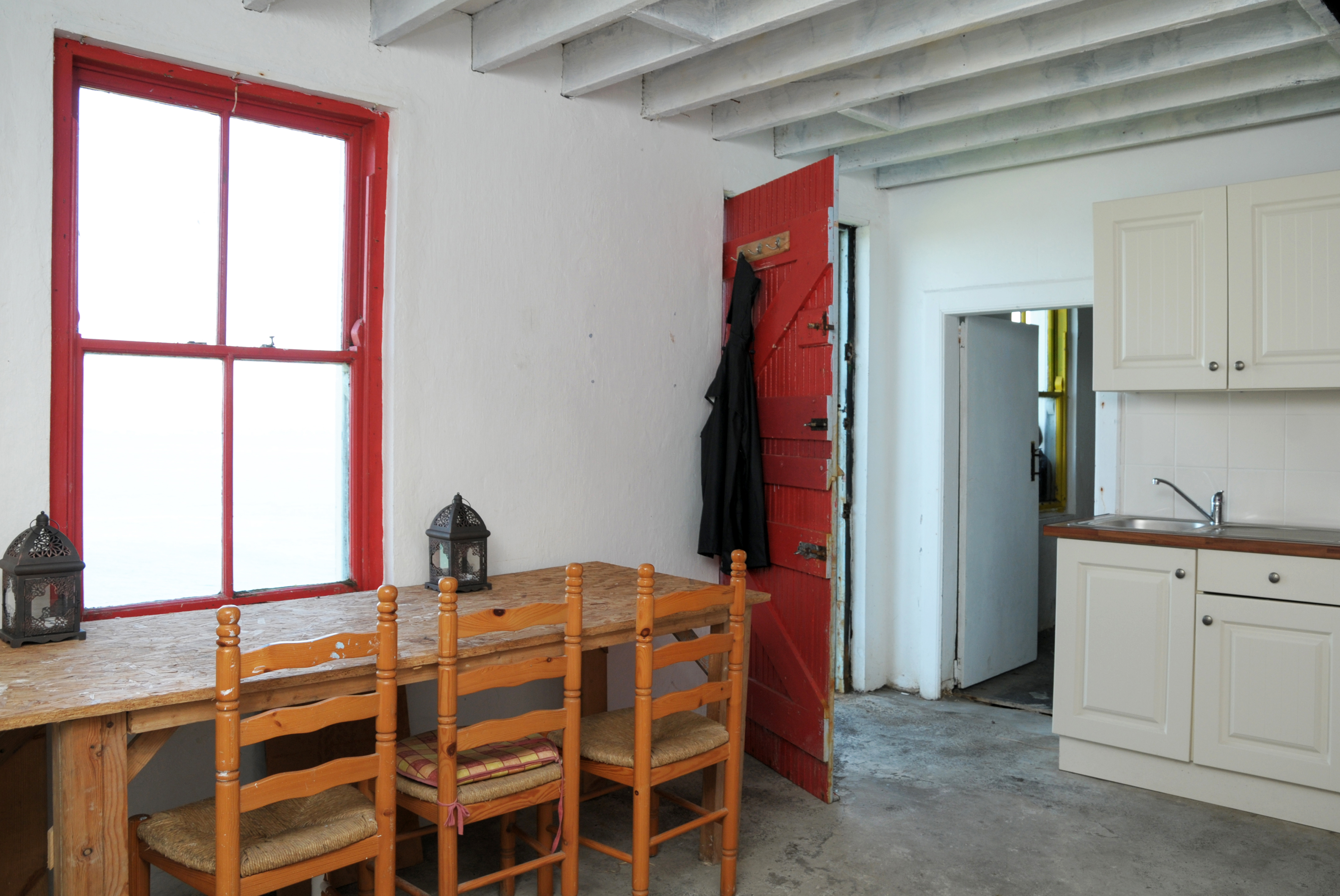 File:Accommodation on the Blasket Island.jpg - Wikimedia Commons