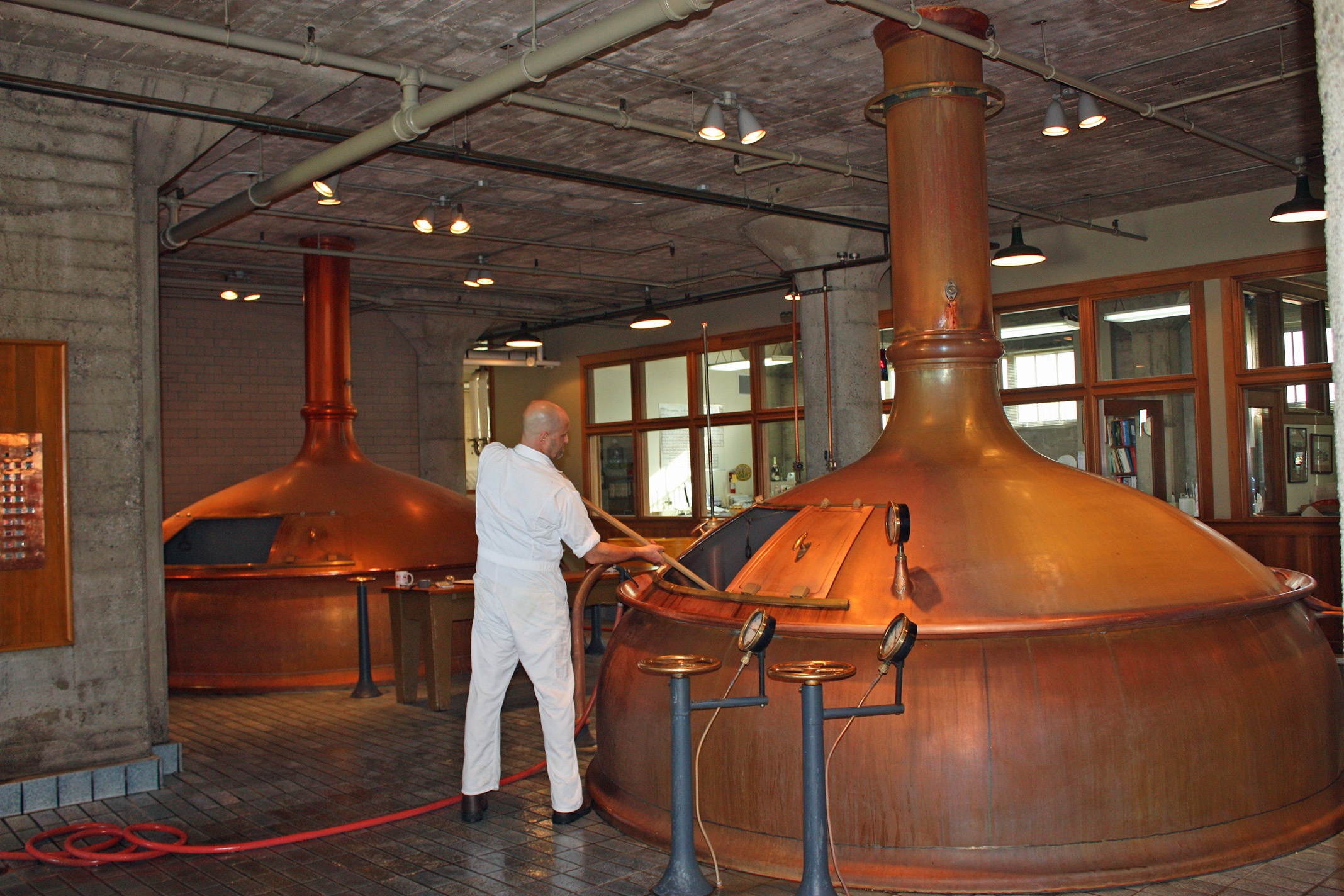 File anchor brewing company wikimedia commons for Companies housse