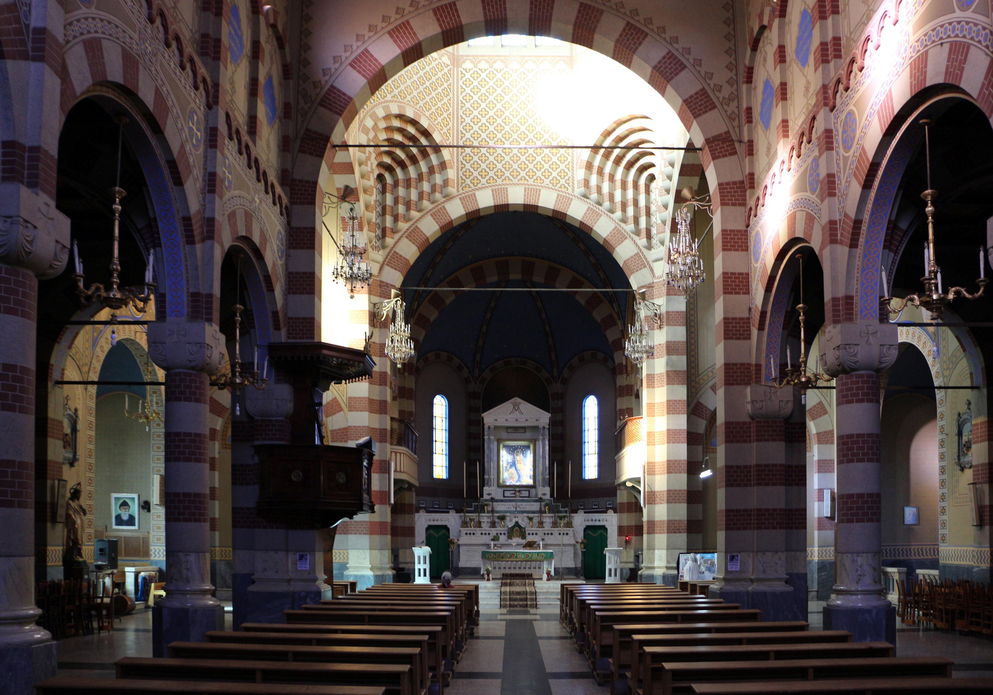 File asmara cattedrale cattolica interno 02 jpg wikipedia for Interno help