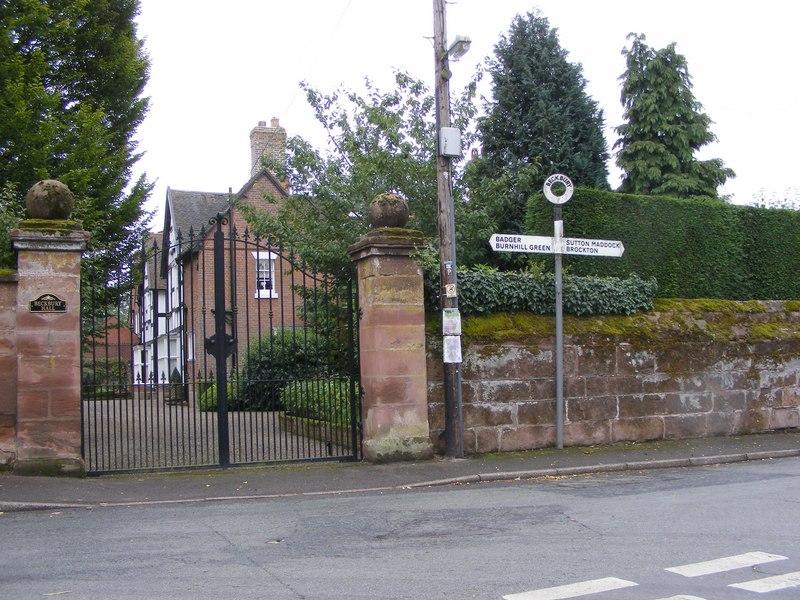 Beckbury Signpost - geograph.org.uk - 2030283
