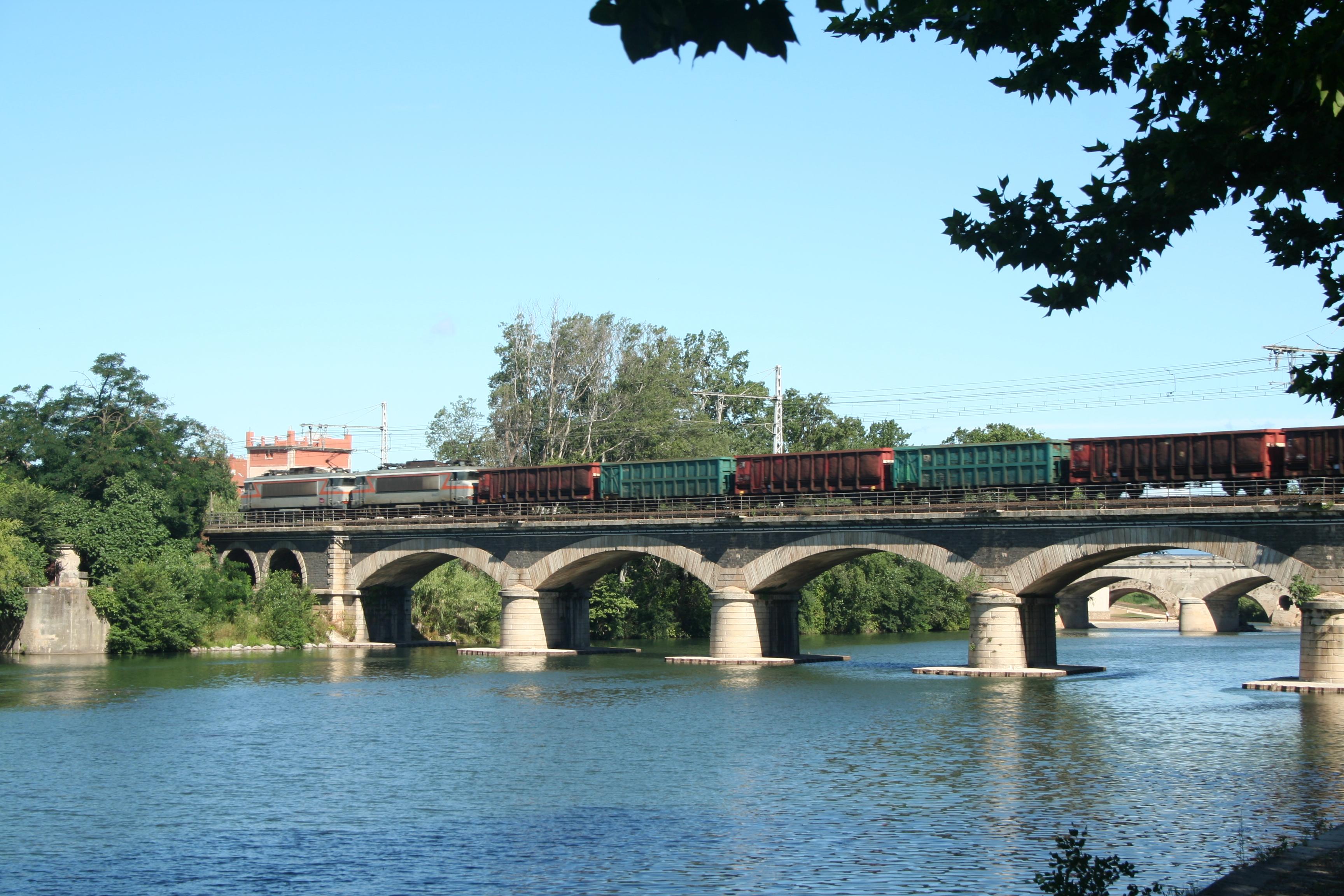 File beziers pont ferroviaire orb jpg wikimedia commons - Pont ferroviaire de bordeaux ...