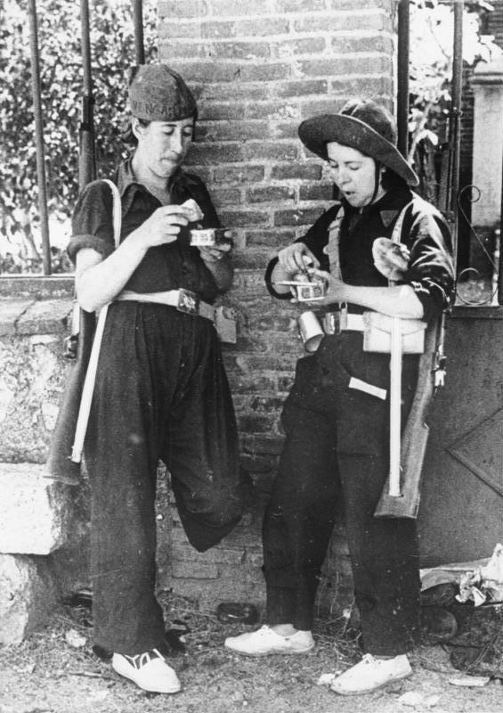 Milicianas republicanas en el verano de 1936.