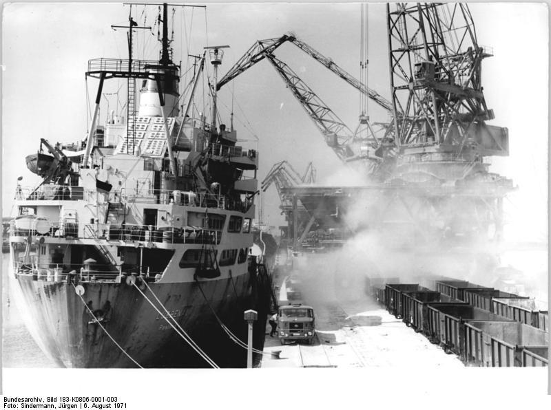 Schiffsladung löschen - Quelle: Wikimedia