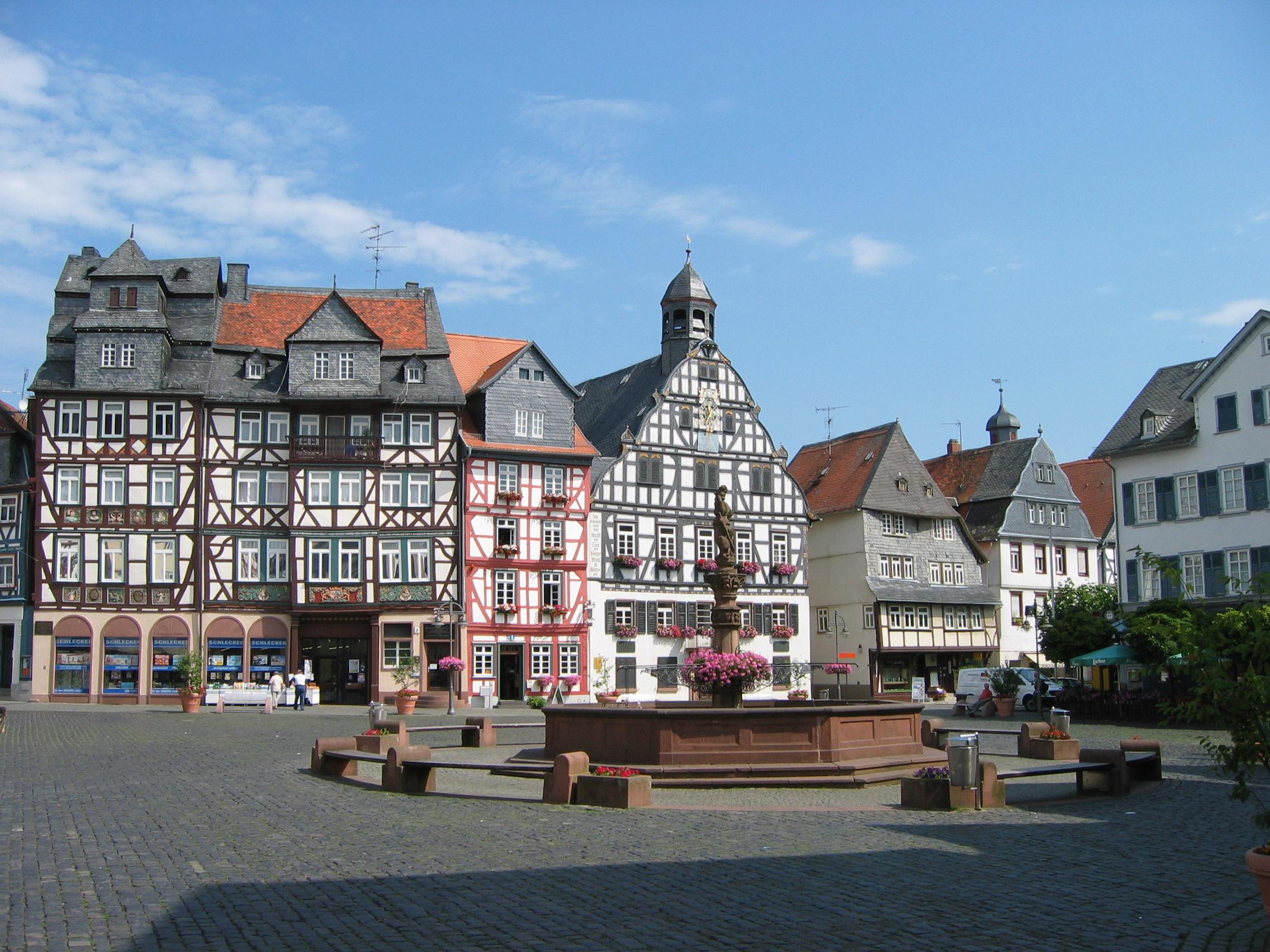 File:Butzbach-Marktplatz.jpg - Wikimedia Commons