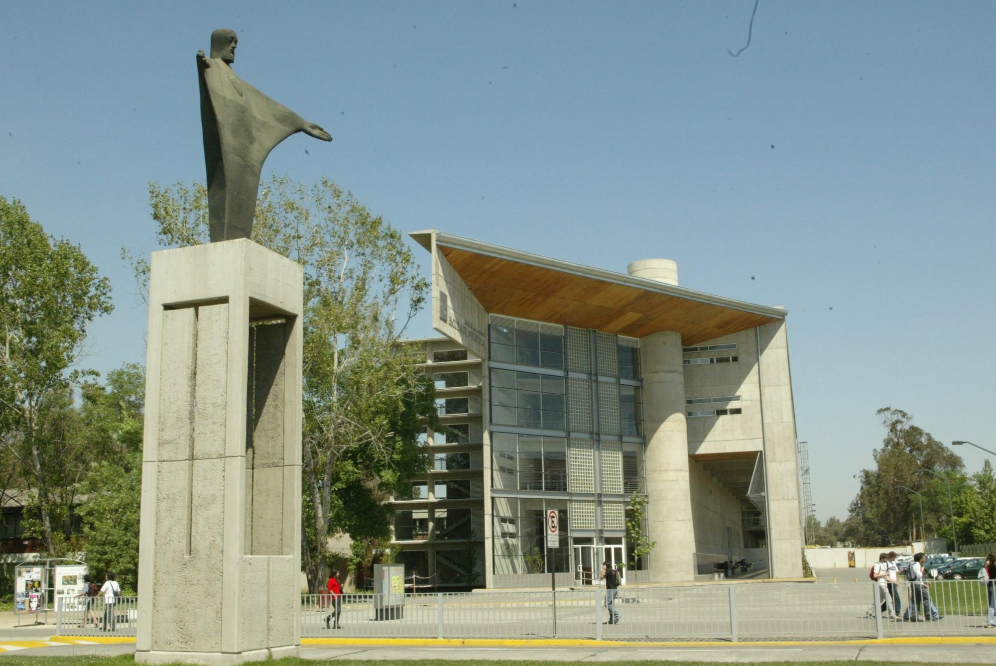 U Catolica De Chile Pontificia Universidad...