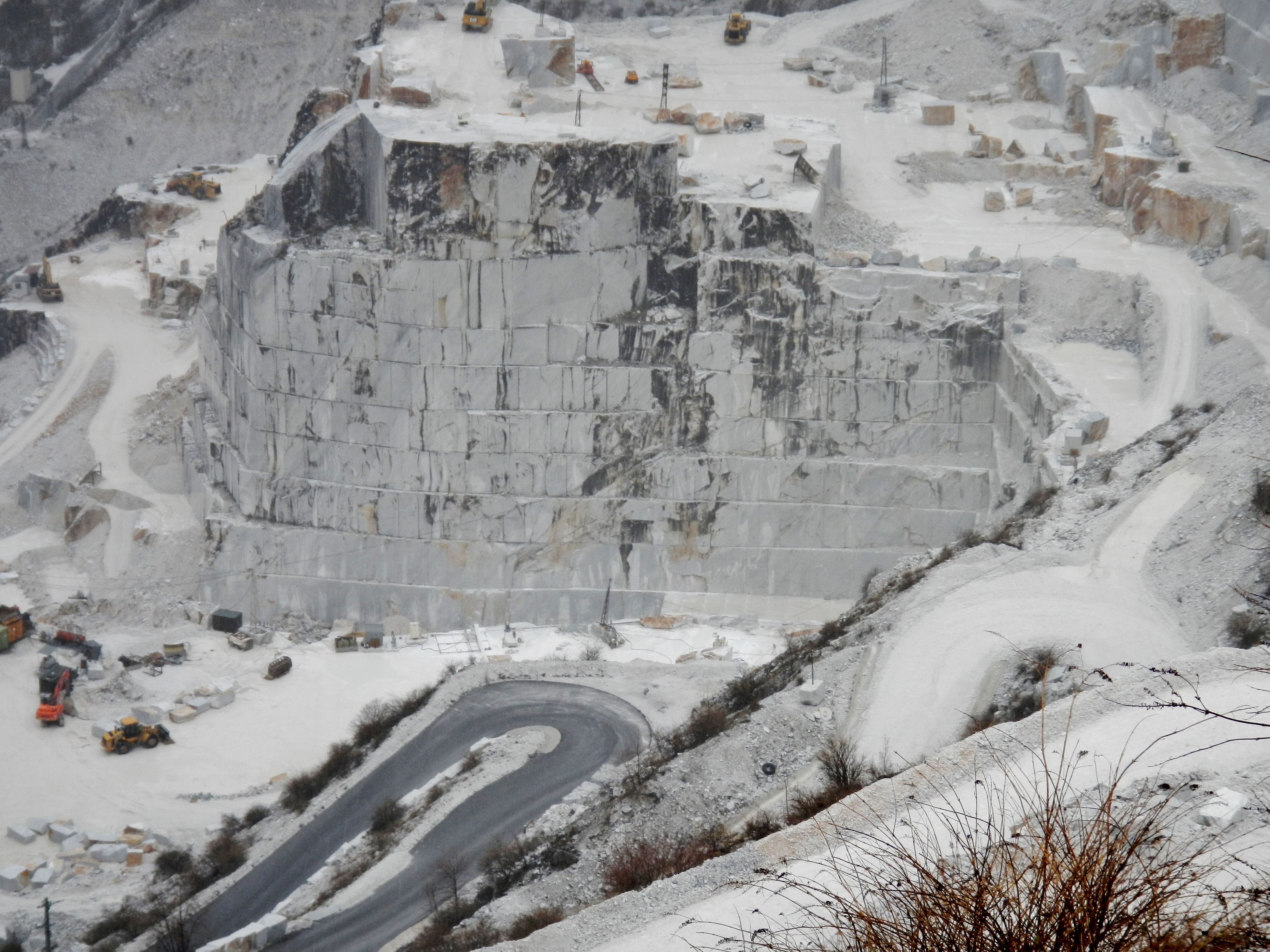 Carrara Marmor file carrara marmor il marmo di carrara panoramio 2 jpg