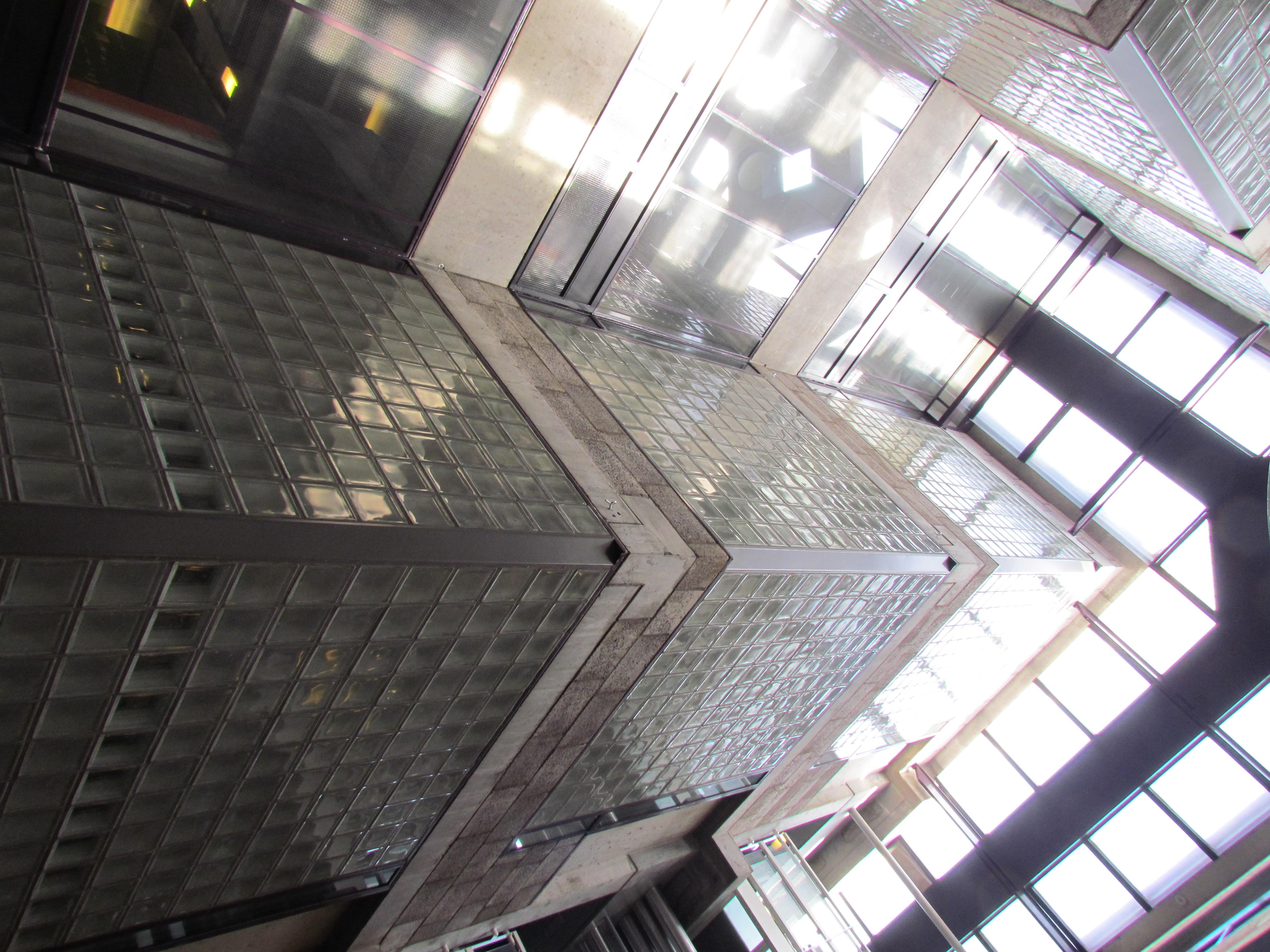 File:Centraal Beheergebouw van Herman Hertzberger, interieur (8).jpg ...