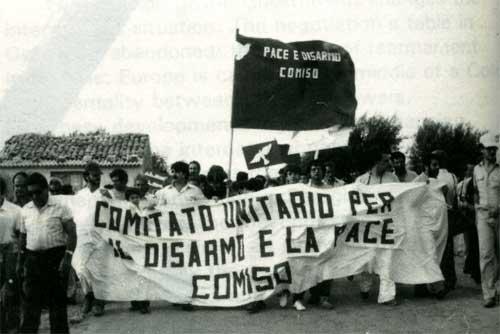 Immagine:Comiso Nato pacifist.jpg