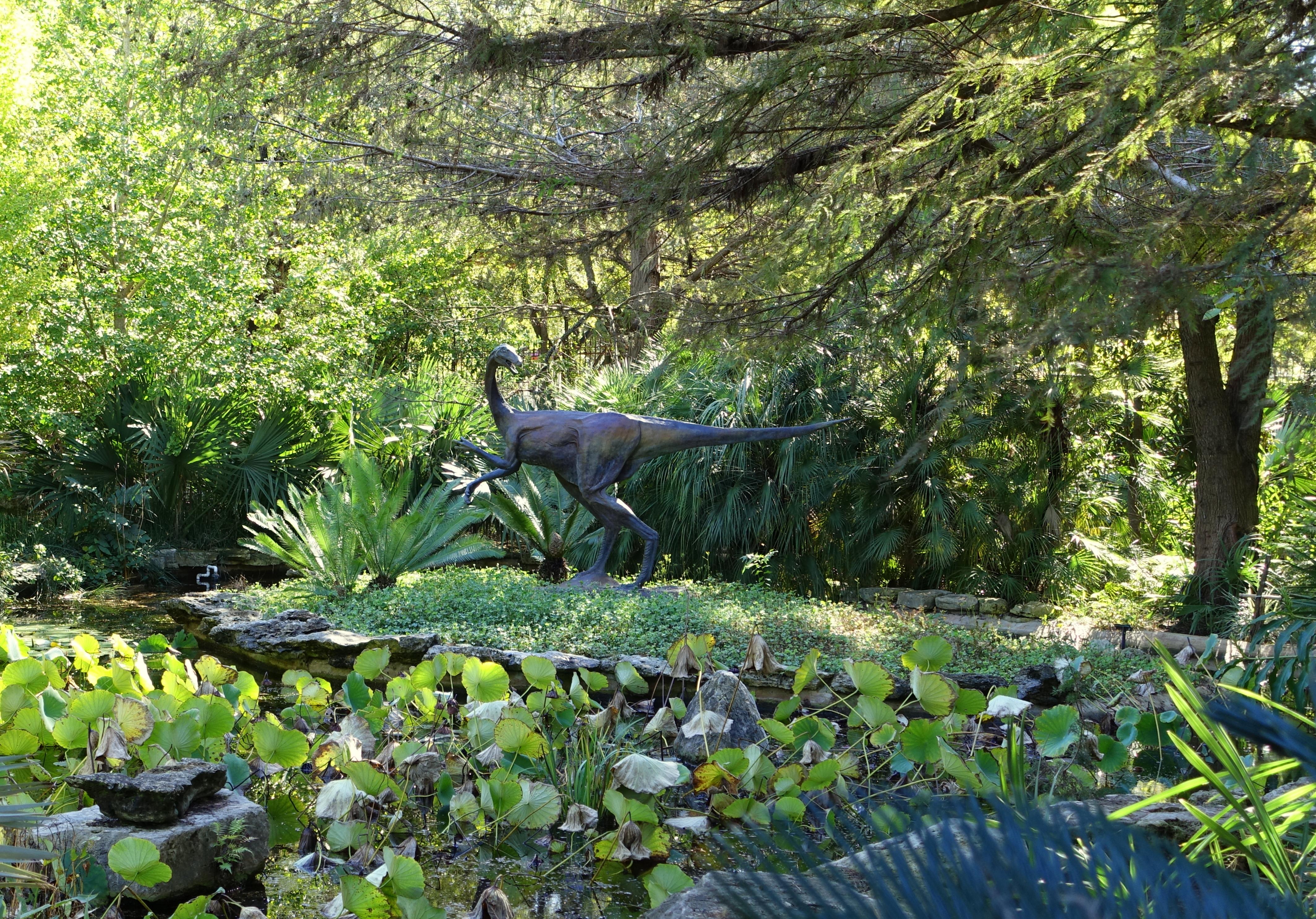 File:Dinosaur Sculpture   Hartman Prehistoric Garden   Zilker Botanical  Garden   Austin, Texas