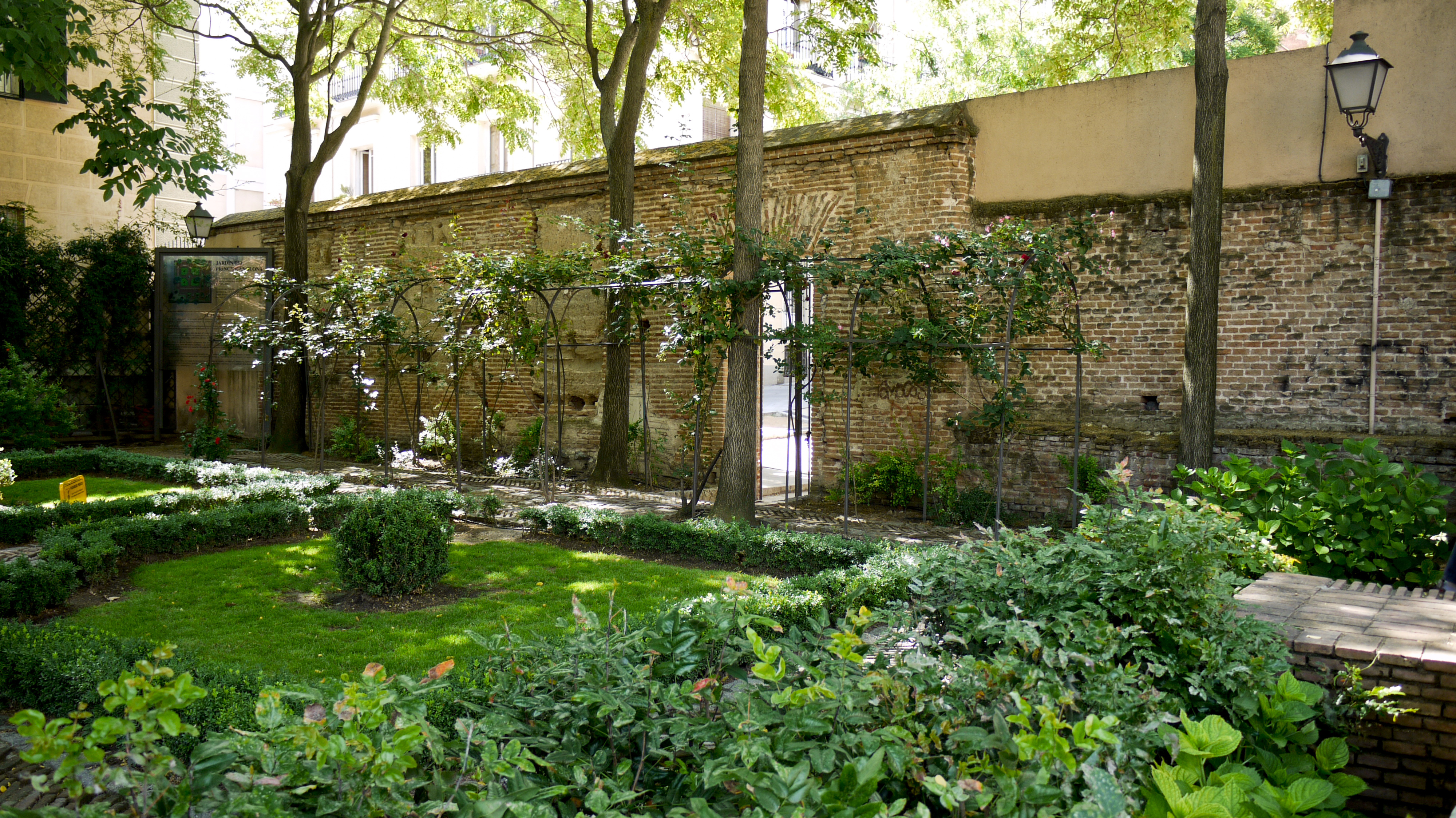 Image gallery el jardin for Jardin resort