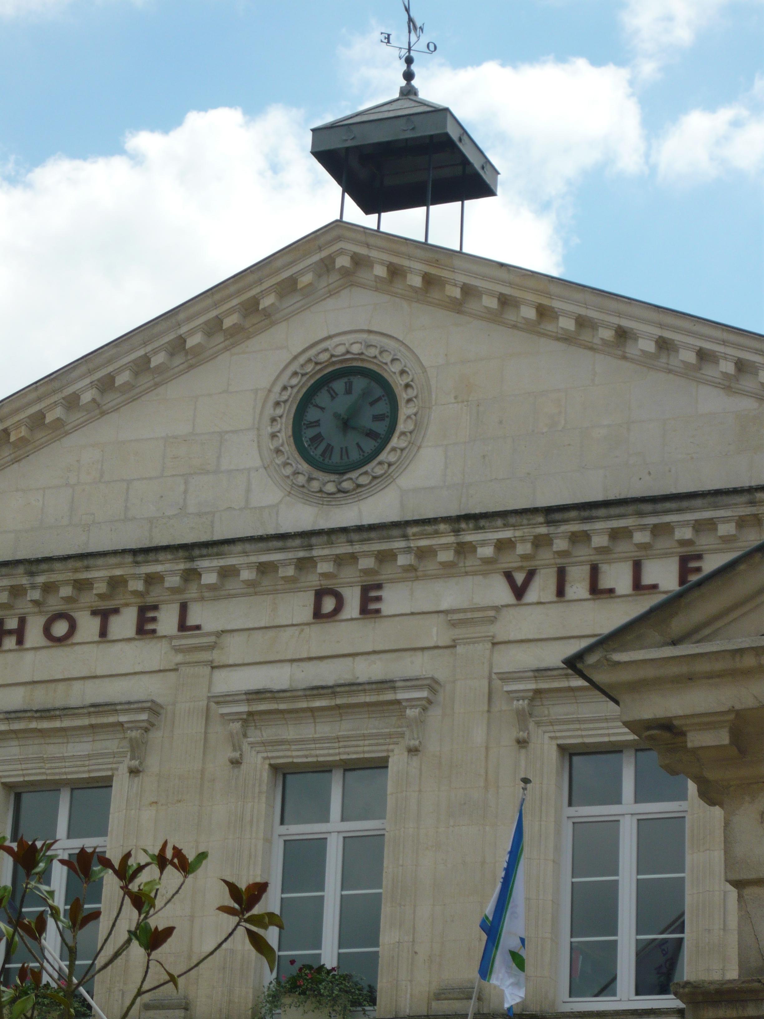Fichier fa ace de l 39 h tel de ville de tonnay charente 73 - Piscine de tonnay charente ...