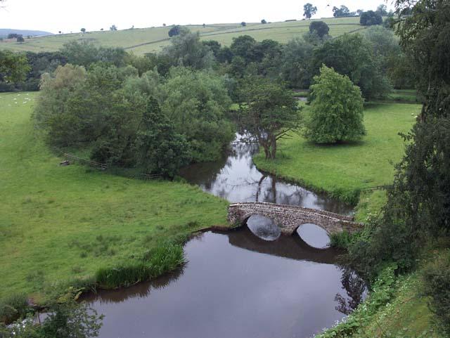 Footbridge over the River Wye - geograph.org.uk - 369778