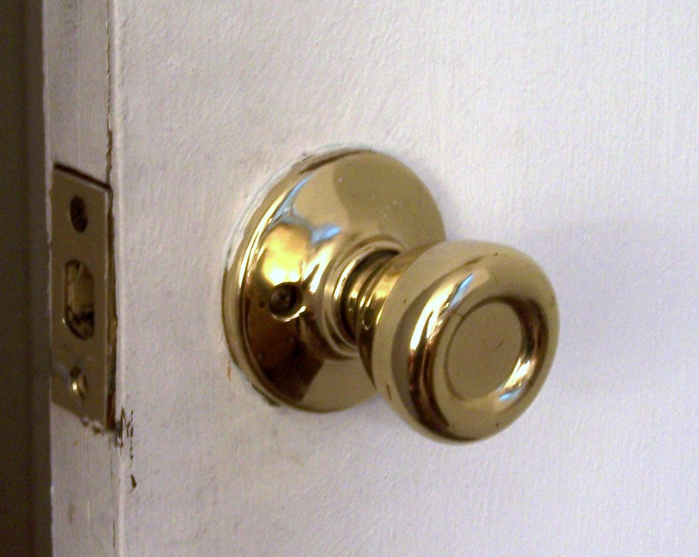 Front door knobs and locks Child Proofing Wikipedia Door Handle Wikipedia