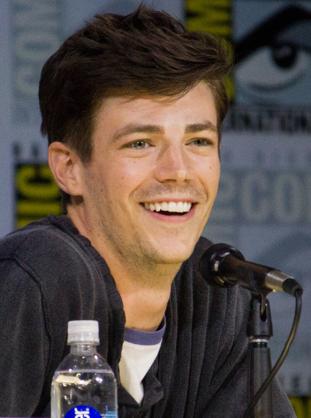 Gustin at the 2017 [[San Diego Comic-Con]]