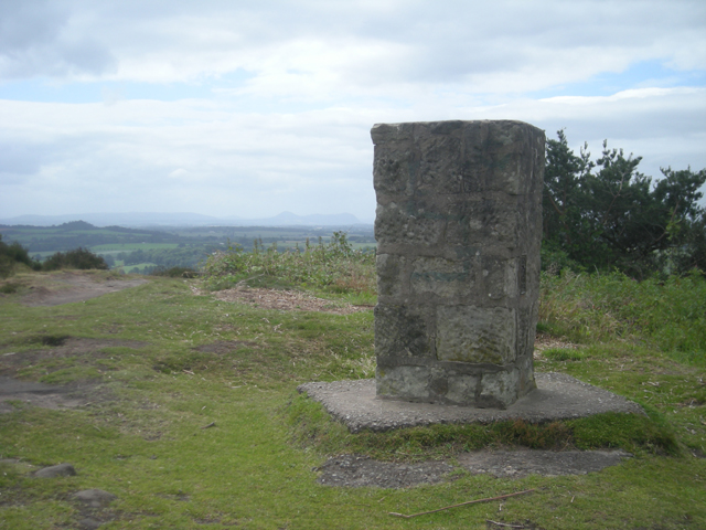 Grinshill Trig Point - geograph.org.uk - 864262