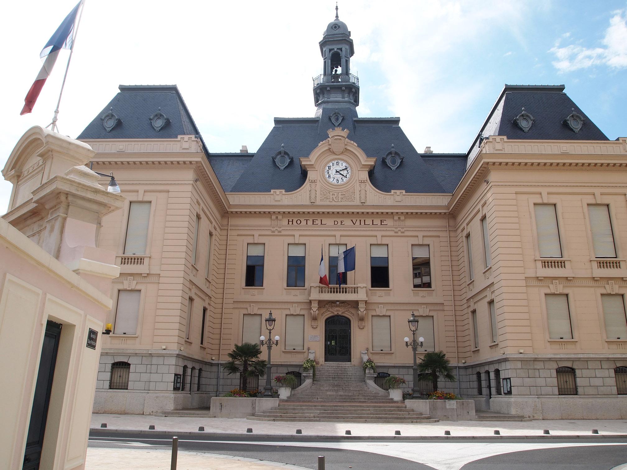 Immobilier villefranche sur saone 69400 annonces for Piscine nautile villefranche