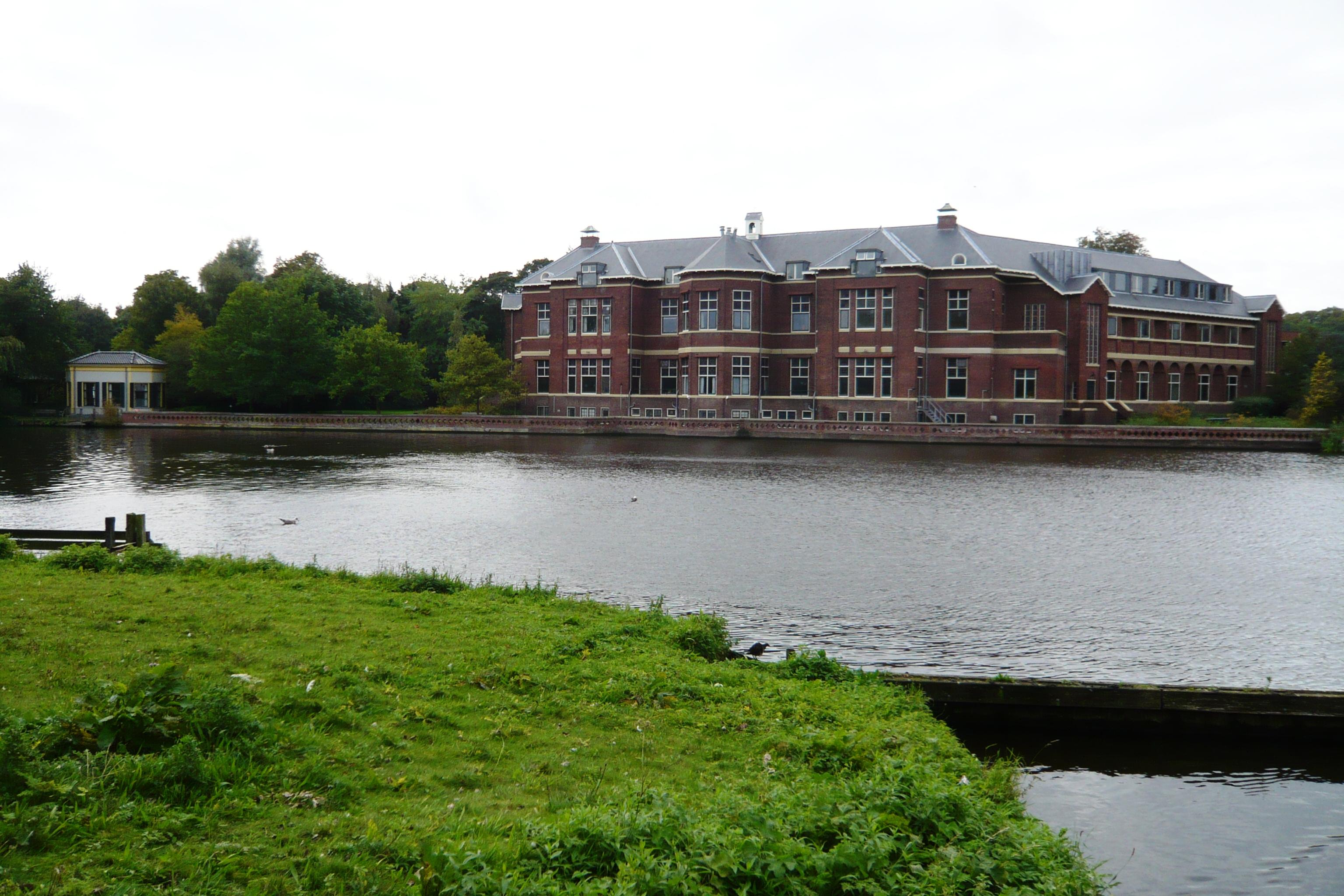 Description Haarlem Spaar en Hout vanaf het spaarne jpg