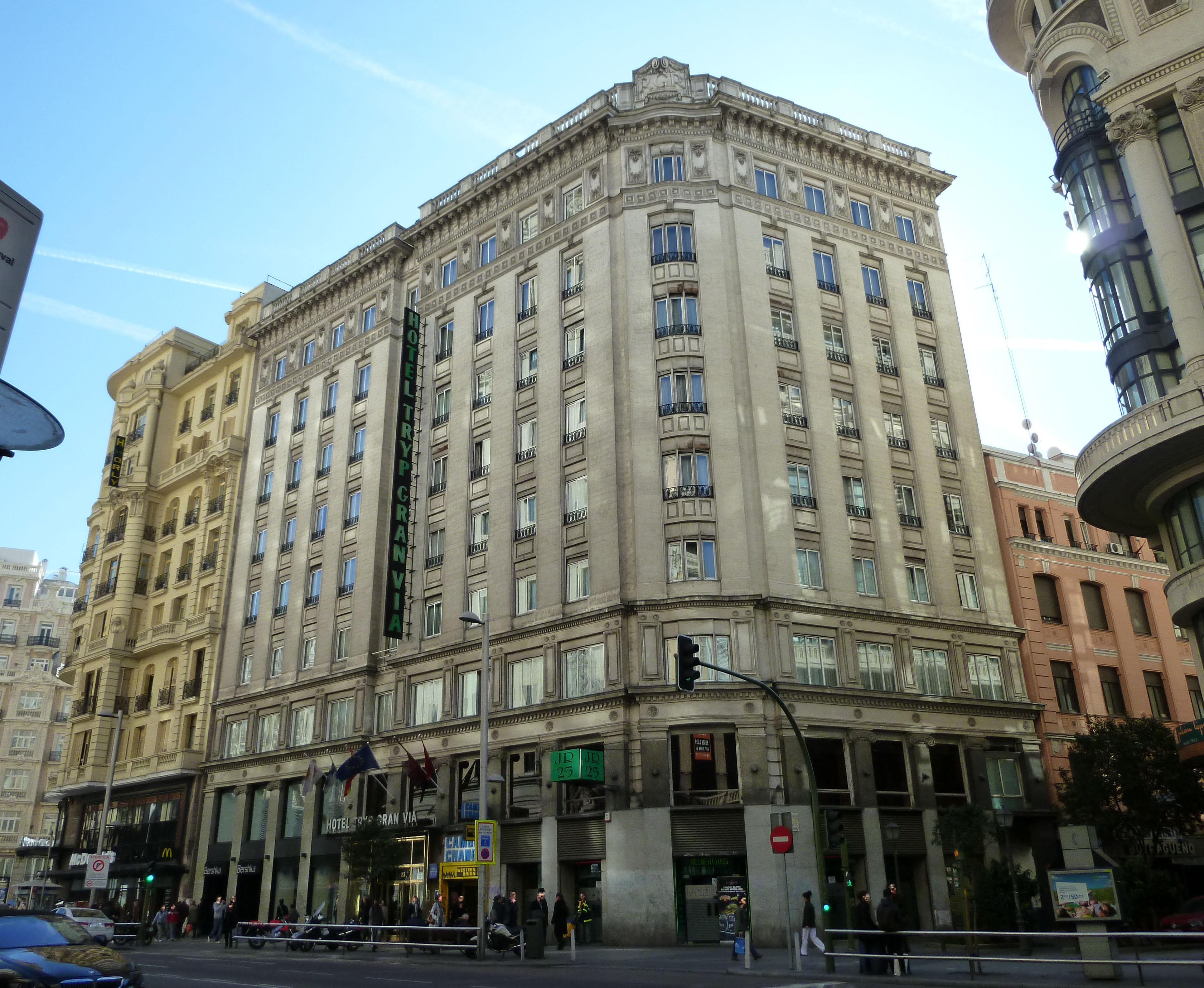 Hotel Via Del Tritone