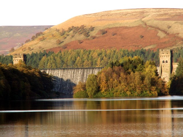 Howden Dam and Towers - geograph.org.uk - 379380
