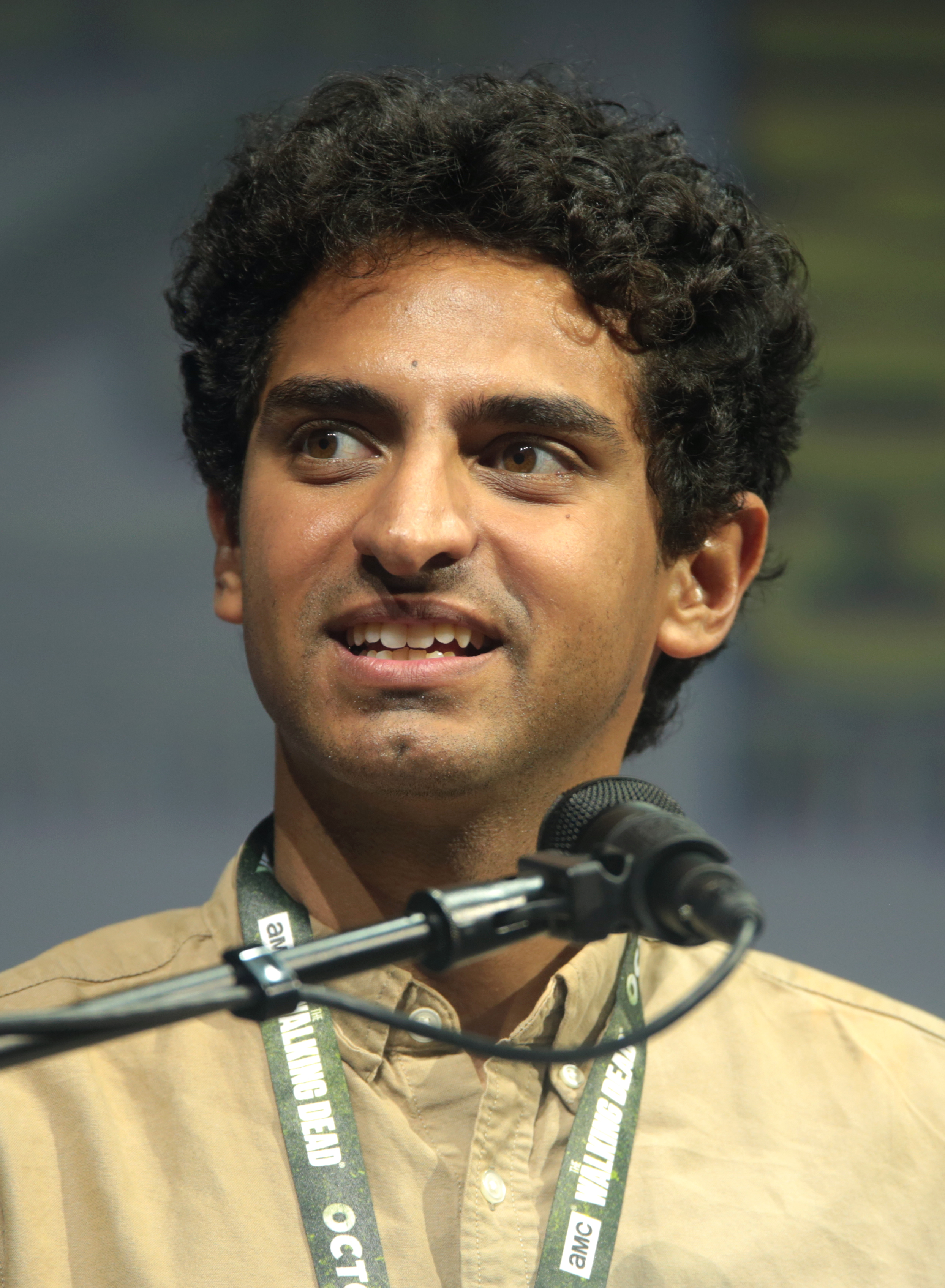 The 29-year old son of father (?) and mother(?) Karan Soni in 2018 photo. Karan Soni earned a  million dollar salary - leaving the net worth at 2 million in 2018
