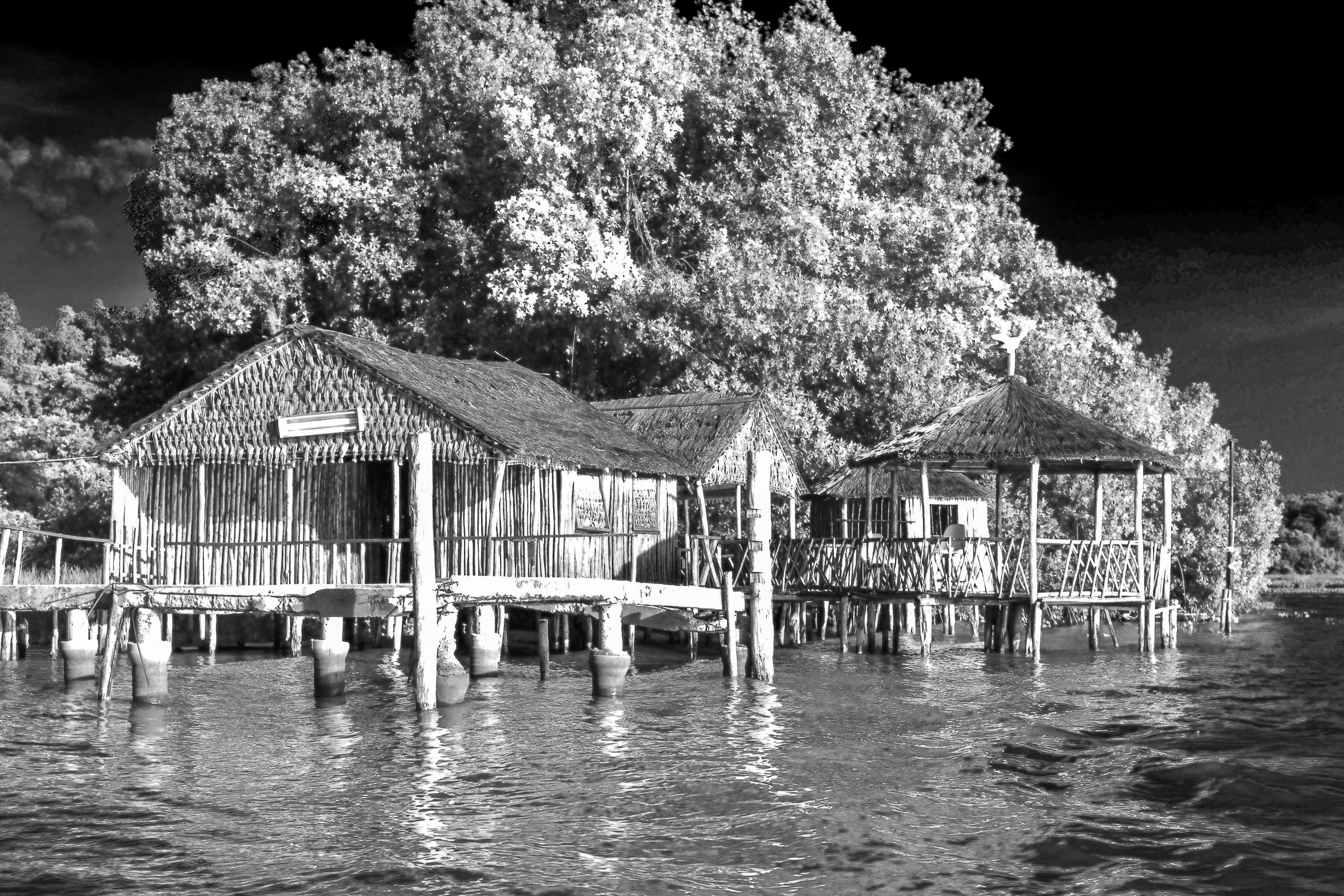 4 Viejos file:laguna de sinamaica viejos palafitos - wikimedia