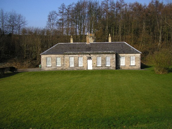 Laundry House, Dalkeith country park - geograph.org.uk - 690134