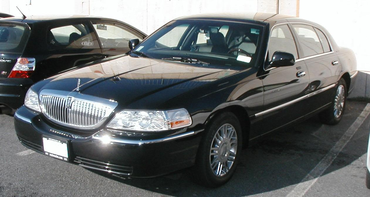 file lincoln town car signature wikimedia commons. Black Bedroom Furniture Sets. Home Design Ideas