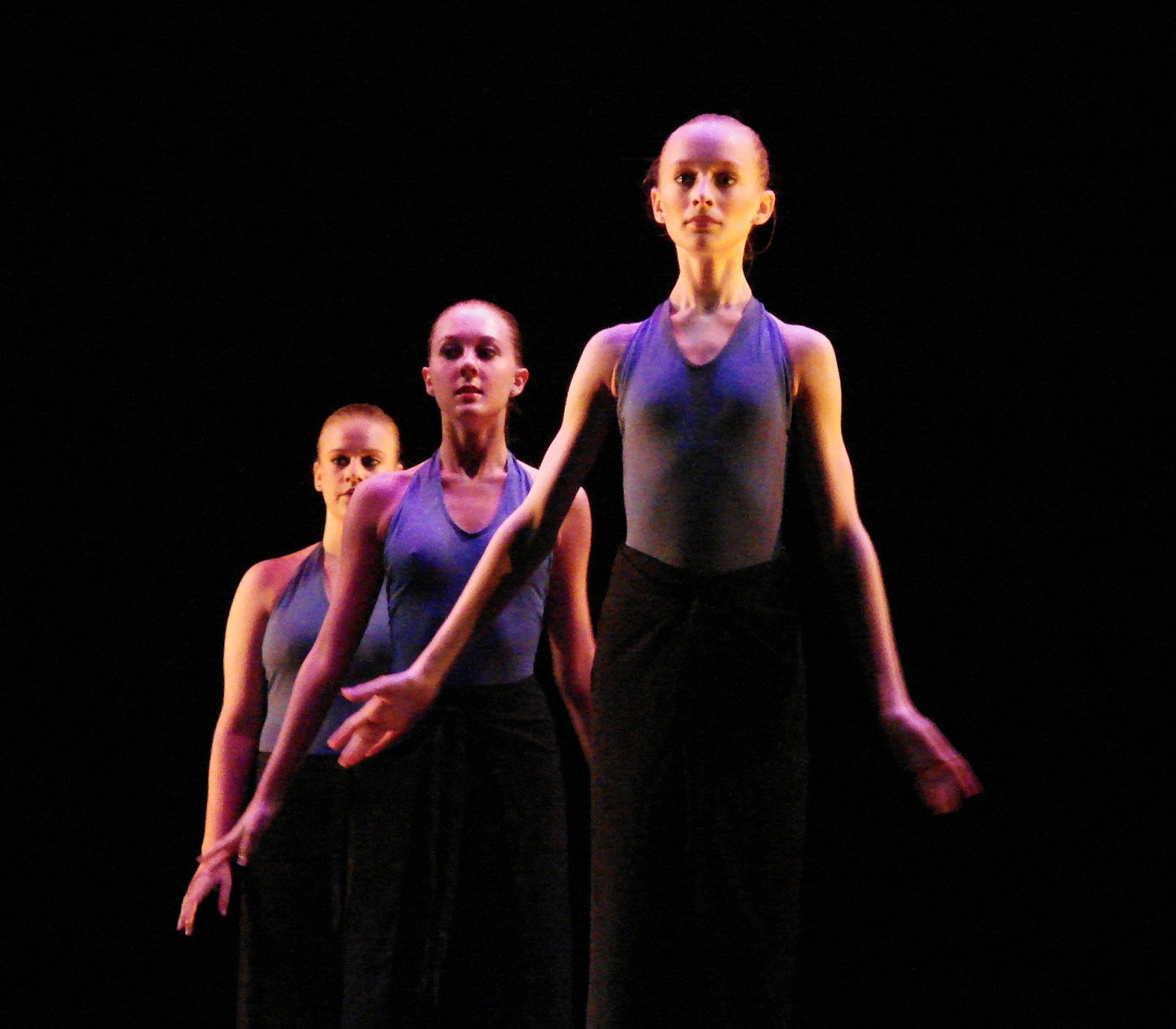Modern_Dancers_2.jpg