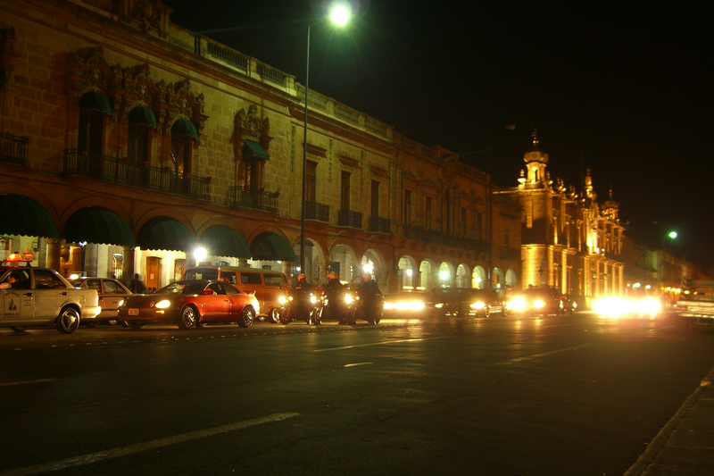 File:Morelia-Main-Avenue-by-Night.jpg