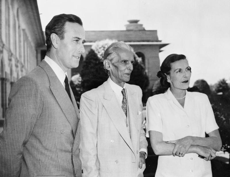 Lord & Lady Mountbatten and Mohammed Ali Jinnah, future leader of Pakistan, 1947