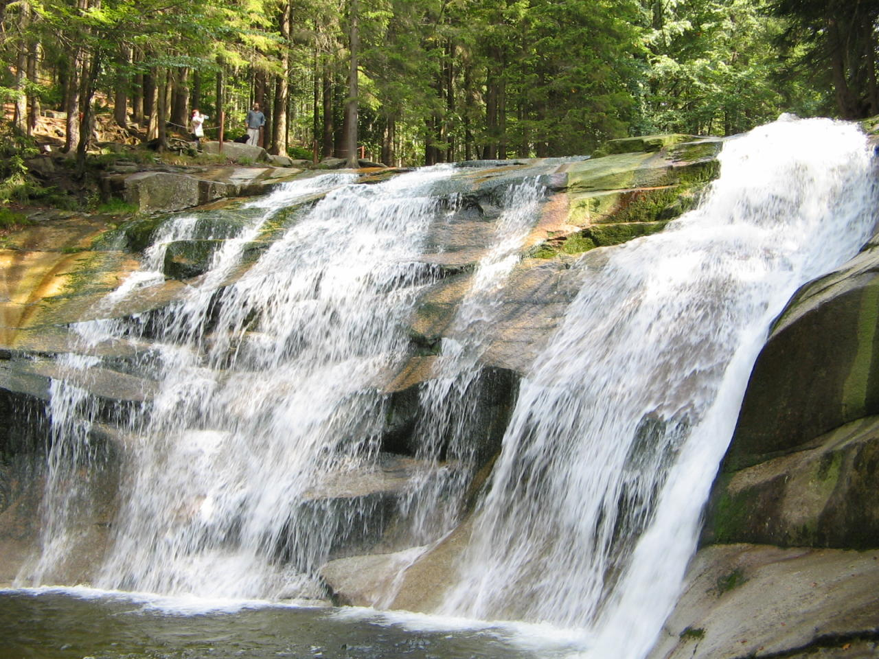 File:Mumlavsky vodopad.jpg - Wikimedia Commons