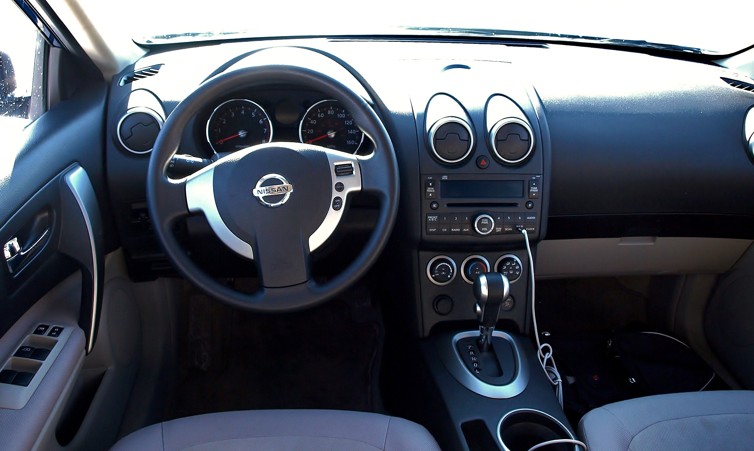 Carros Nissan Altima >> File:NISSAN ROGUE interior.jpg - Wikimedia Commons