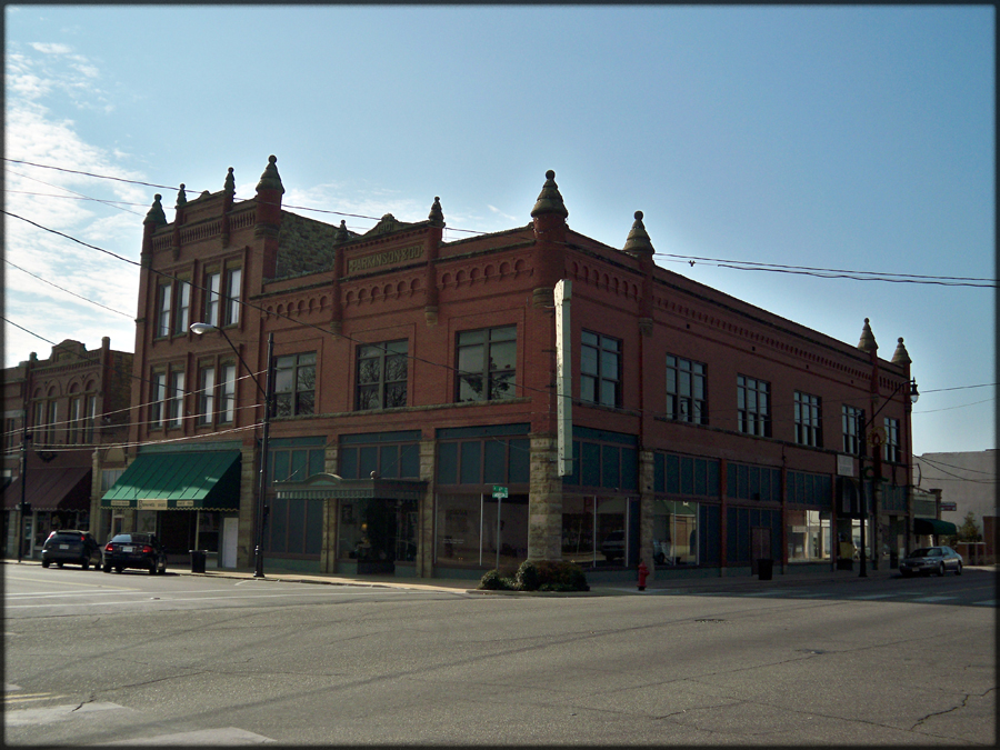 Okmulgee (OK) United States  city pictures gallery : Parkinson Building in Okmulgee Wikimedia Commons