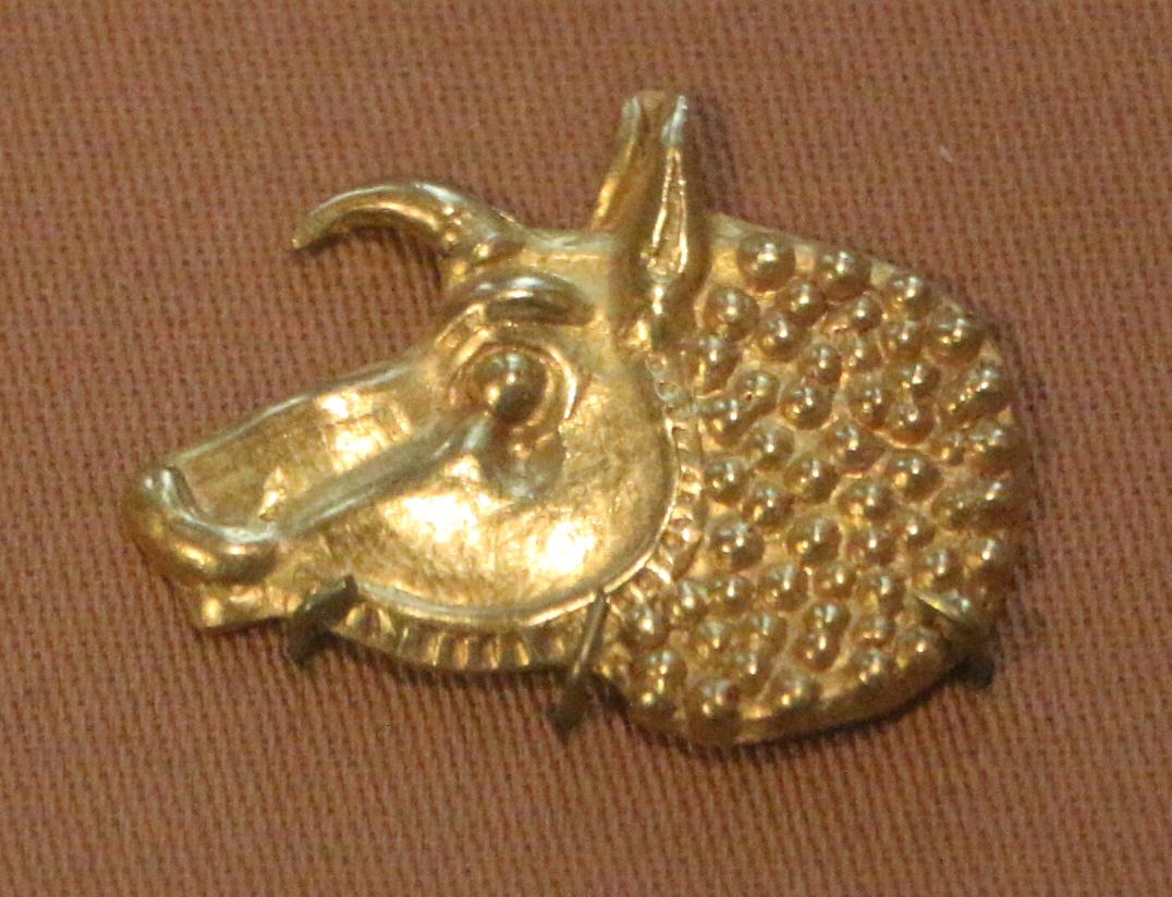 Applique da parete in ferro color oro con vetro satinato