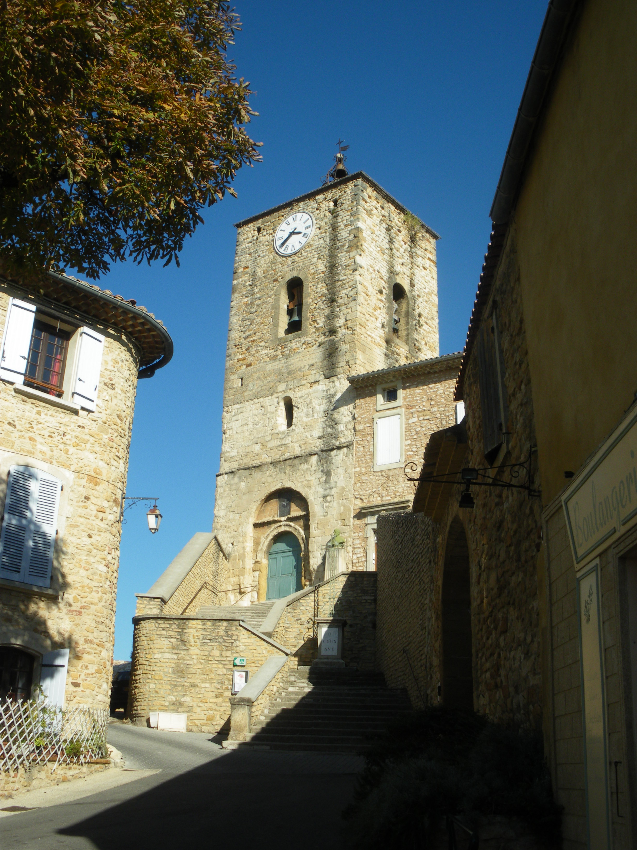 Piolenc France  city photo : Piolenc église Wikimedia Commons
