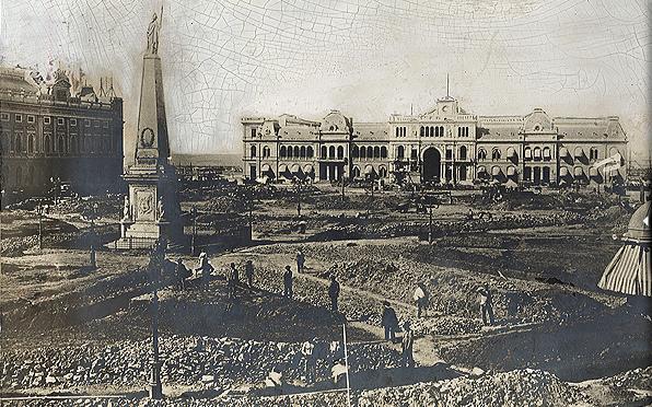File:Plaza de Mayo (1894).JPG