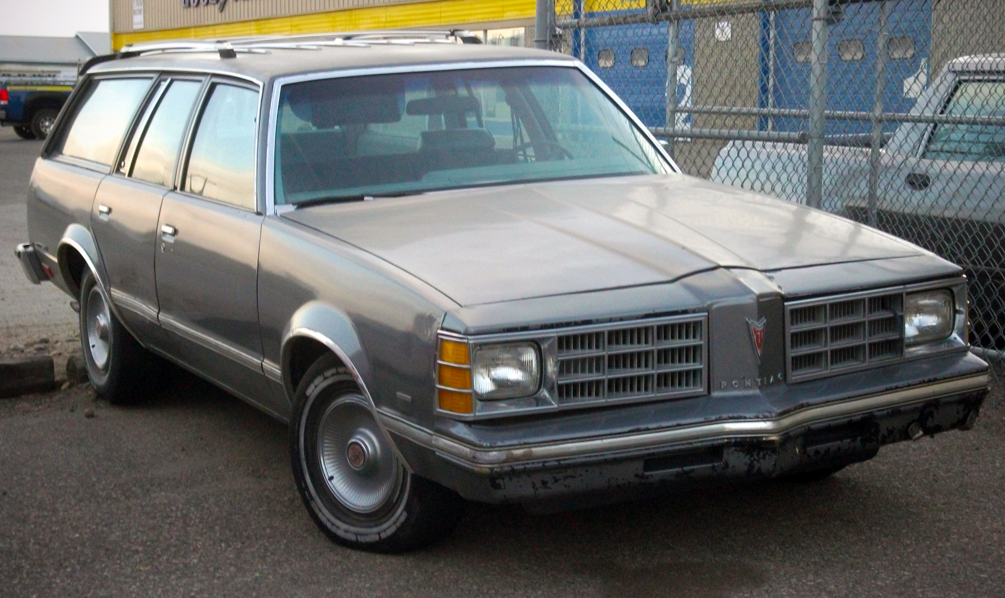 File Pontiac Lemans Station Wagon Jpg Wikimedia Commons