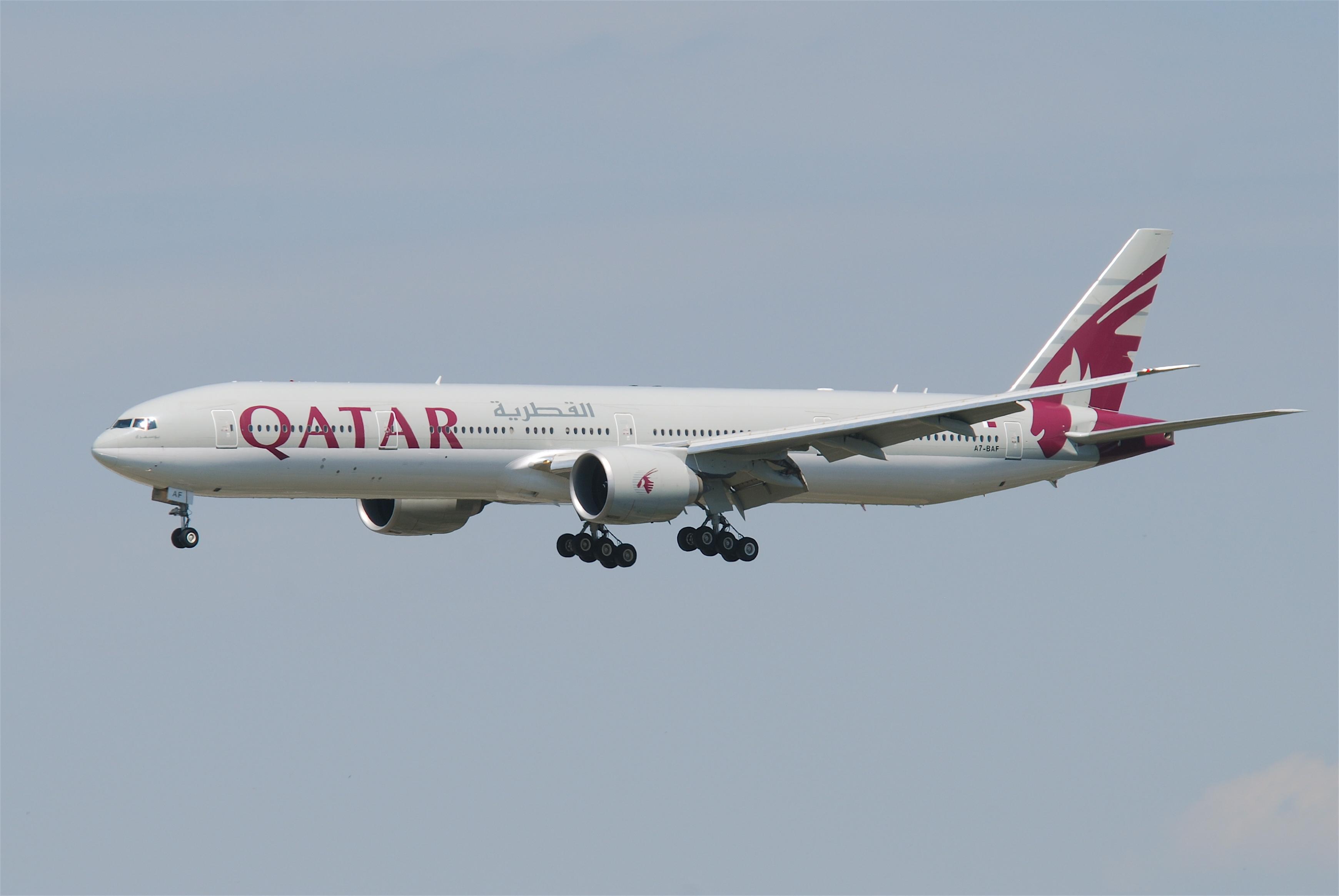 Qatar airways wikipedia qatar airways boeing 777 300er stopboris Image collections