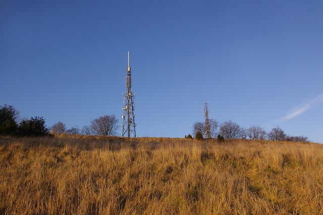 Reigate Hill masts - geograph.org.uk - 1133373