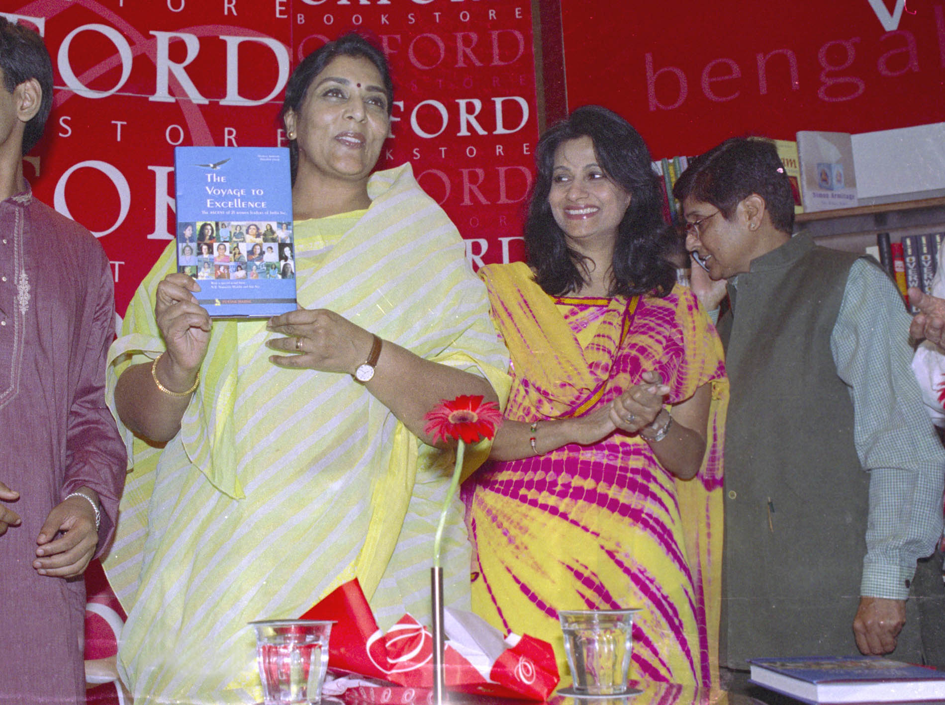 File Renuka Chowdhury Releasing A Book The Voyage To Excellence Stories Of 21 Women Business Leaders Of India Written By Nischinta Amarnath And Debashish Ghosh Iit Student In New Delhi On May 4