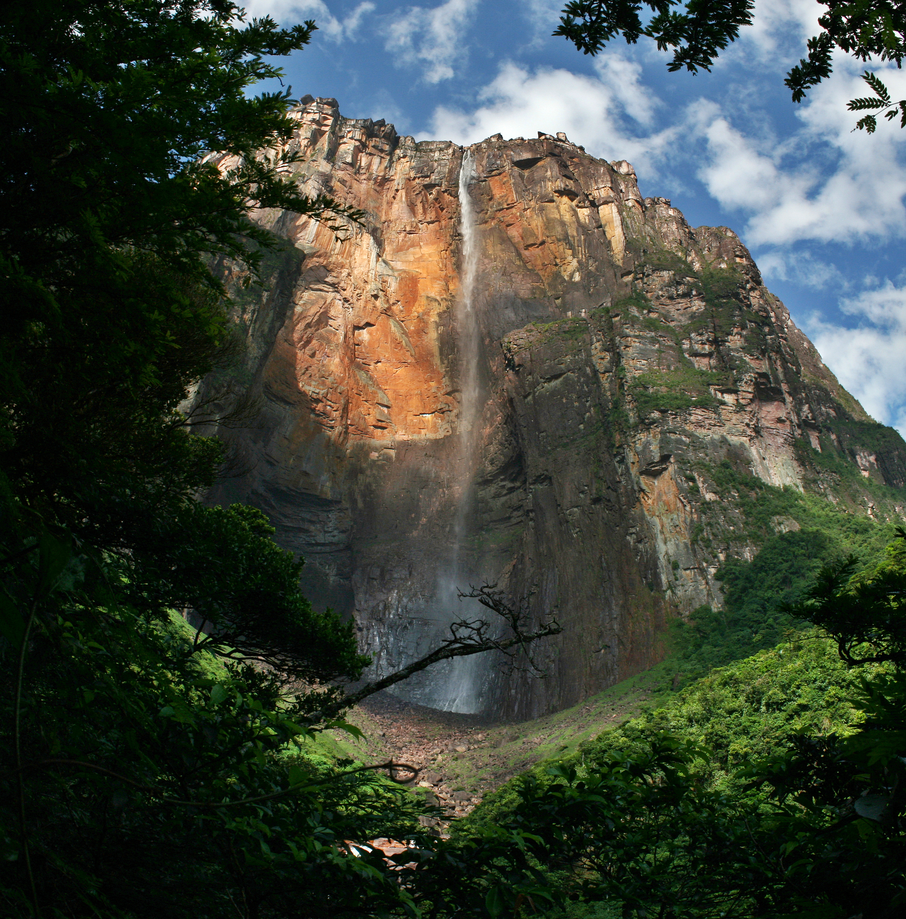 a lost world where angel falls plunges off devil u0027s mountain 38 pics
