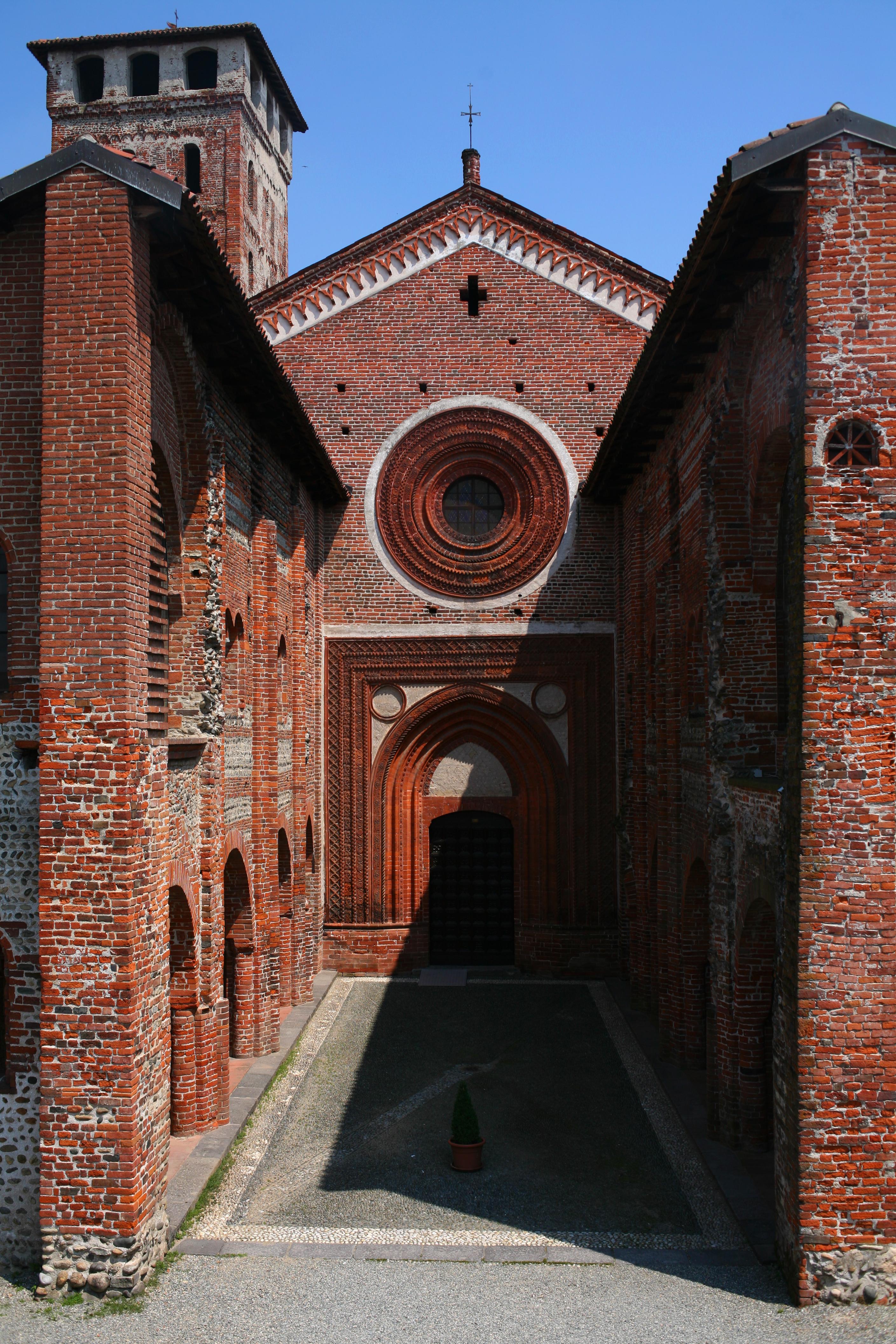 San Nazzaro Sesia Abbazia facciata.jpg