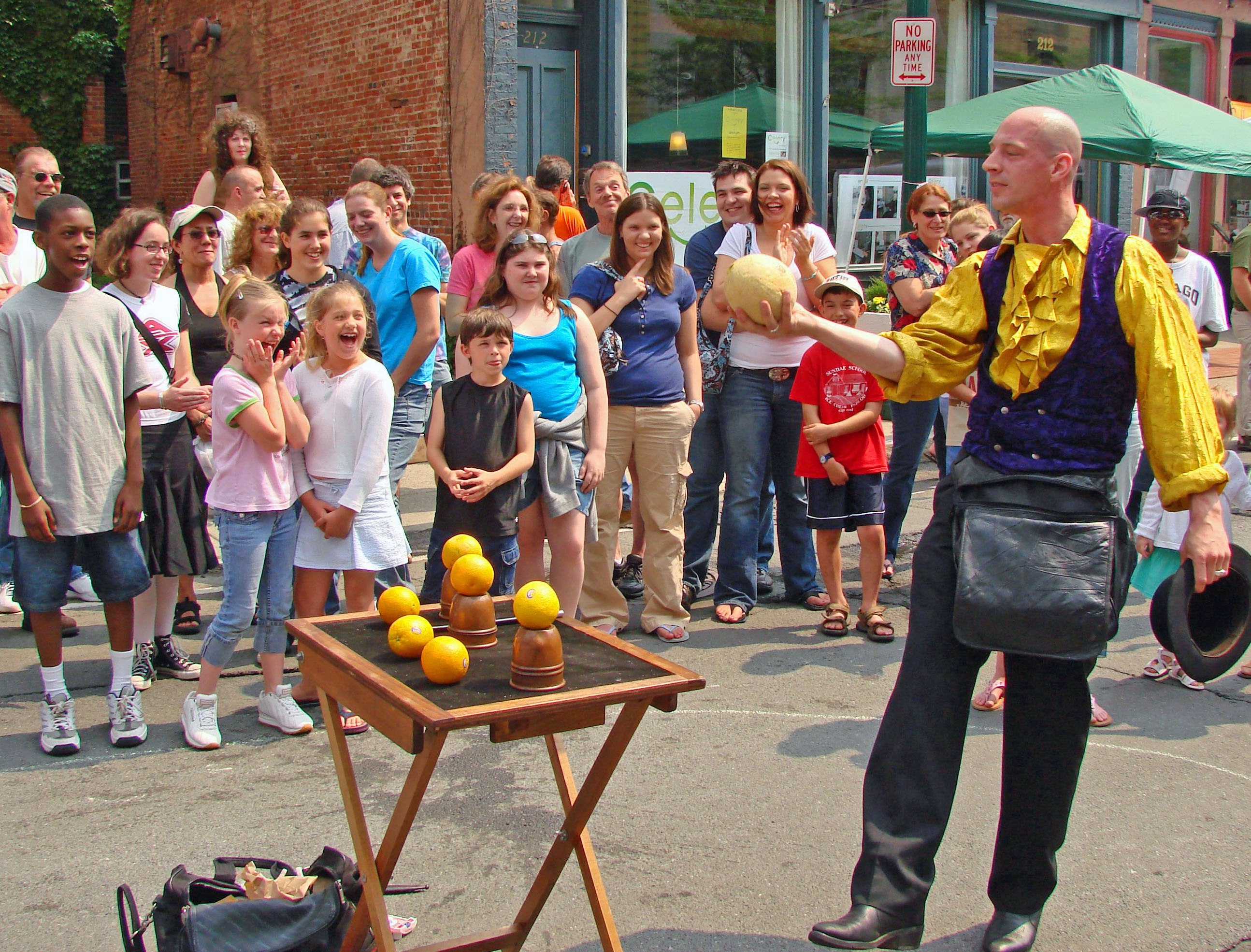 File street magician in troy wikimedia commons for Troy magician