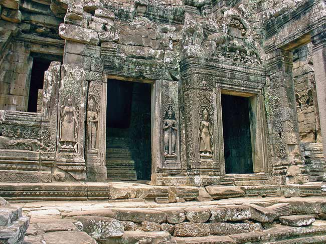 Temple of Bayon.jpg