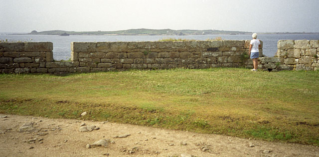 The Garrison Wall, St Mary's - geograph.org.uk - 1852071