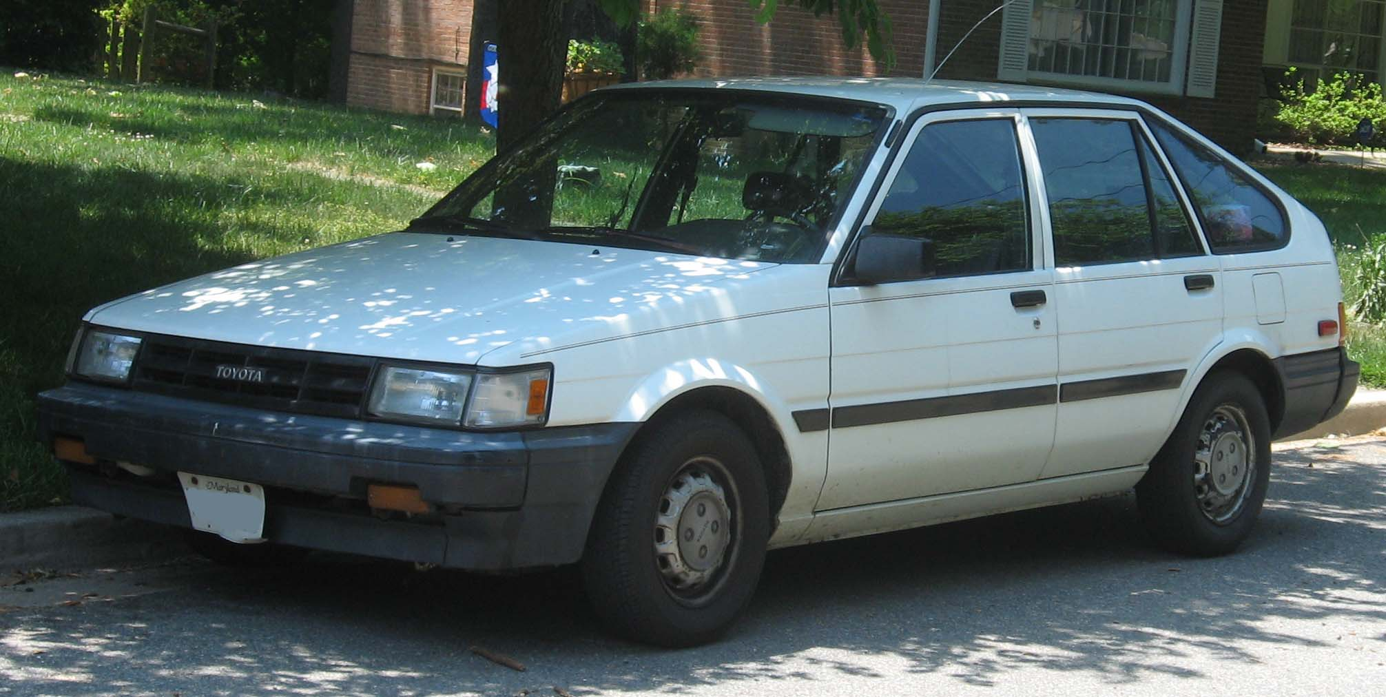 File Toyota Corolla E80 Hatch Jpg Wikimedia Commons